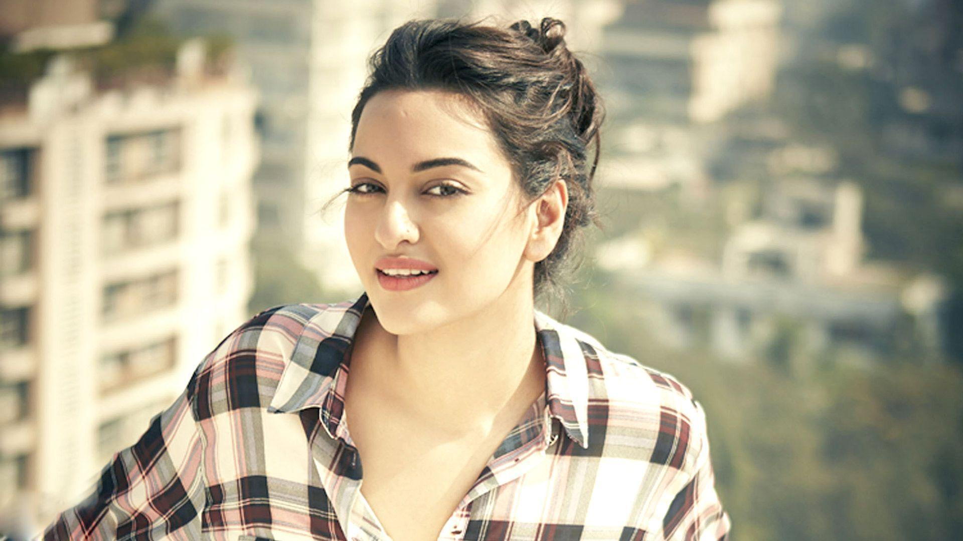 lates bollywood actress sonakshi sinha wallpaper 2017 bilqees