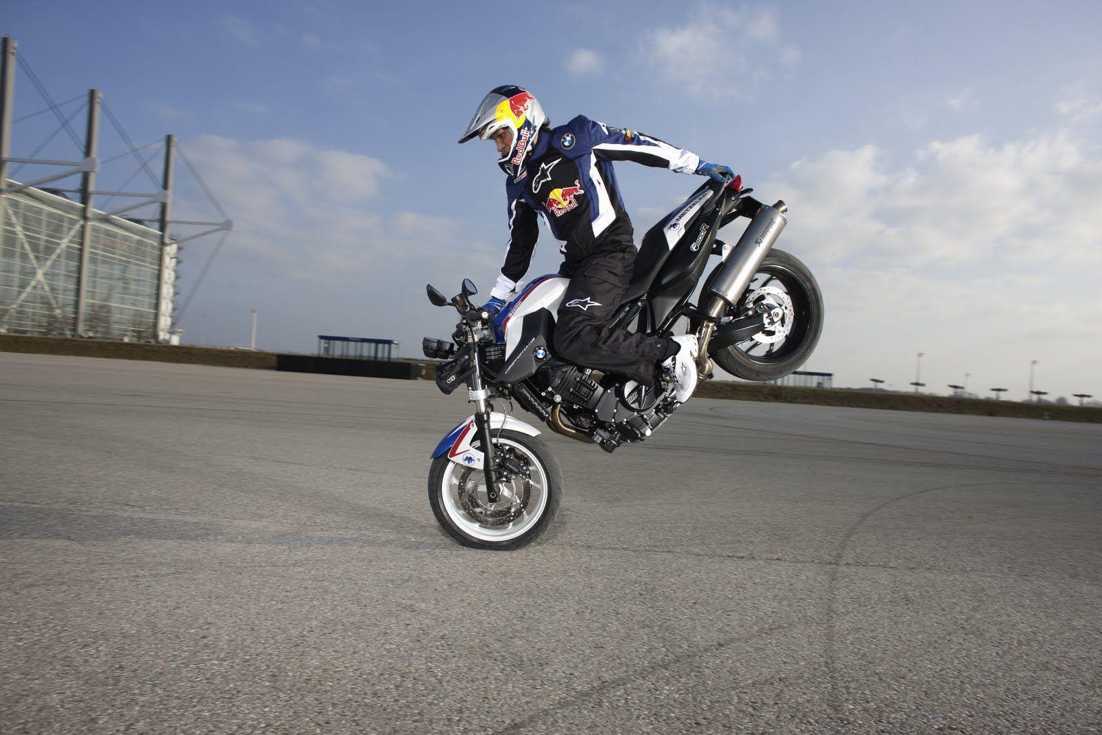 Dangerous Bike Stunt In 2017 Hd Wallpapers Wallpaper Cave