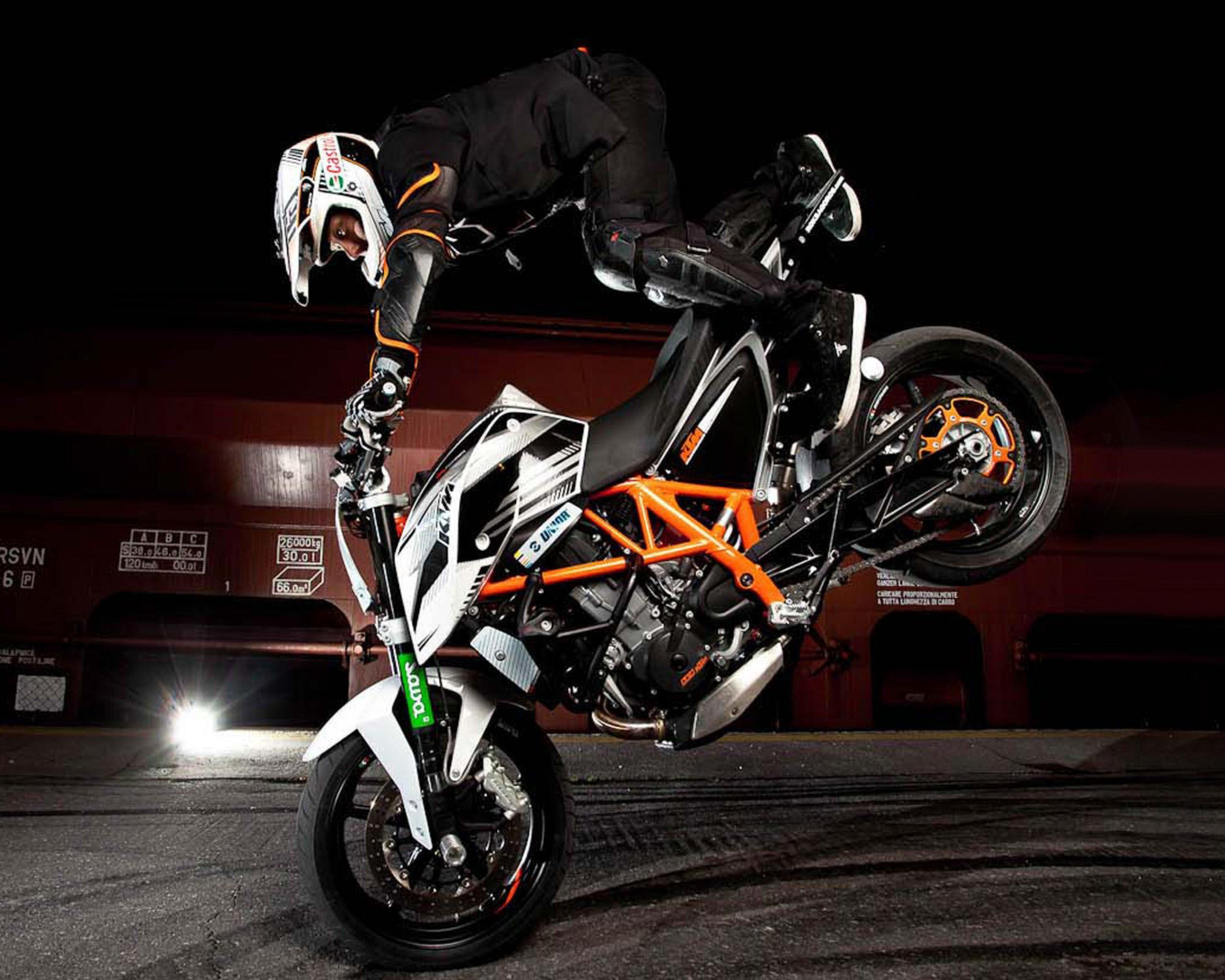 dangerous bike stunt in 2017 hd wallpapers - wallpaper cave