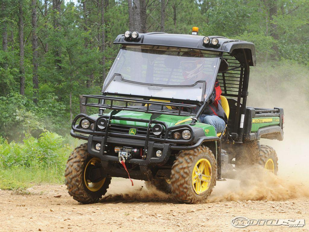 2011 John Deere Gator XUV 825i First Ride Photos