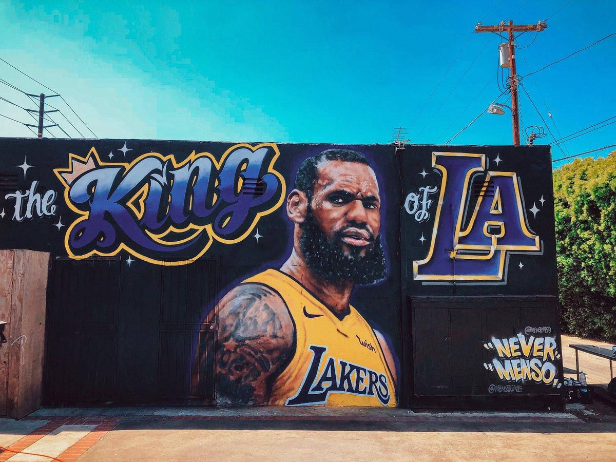 Lebron James Lakers mural