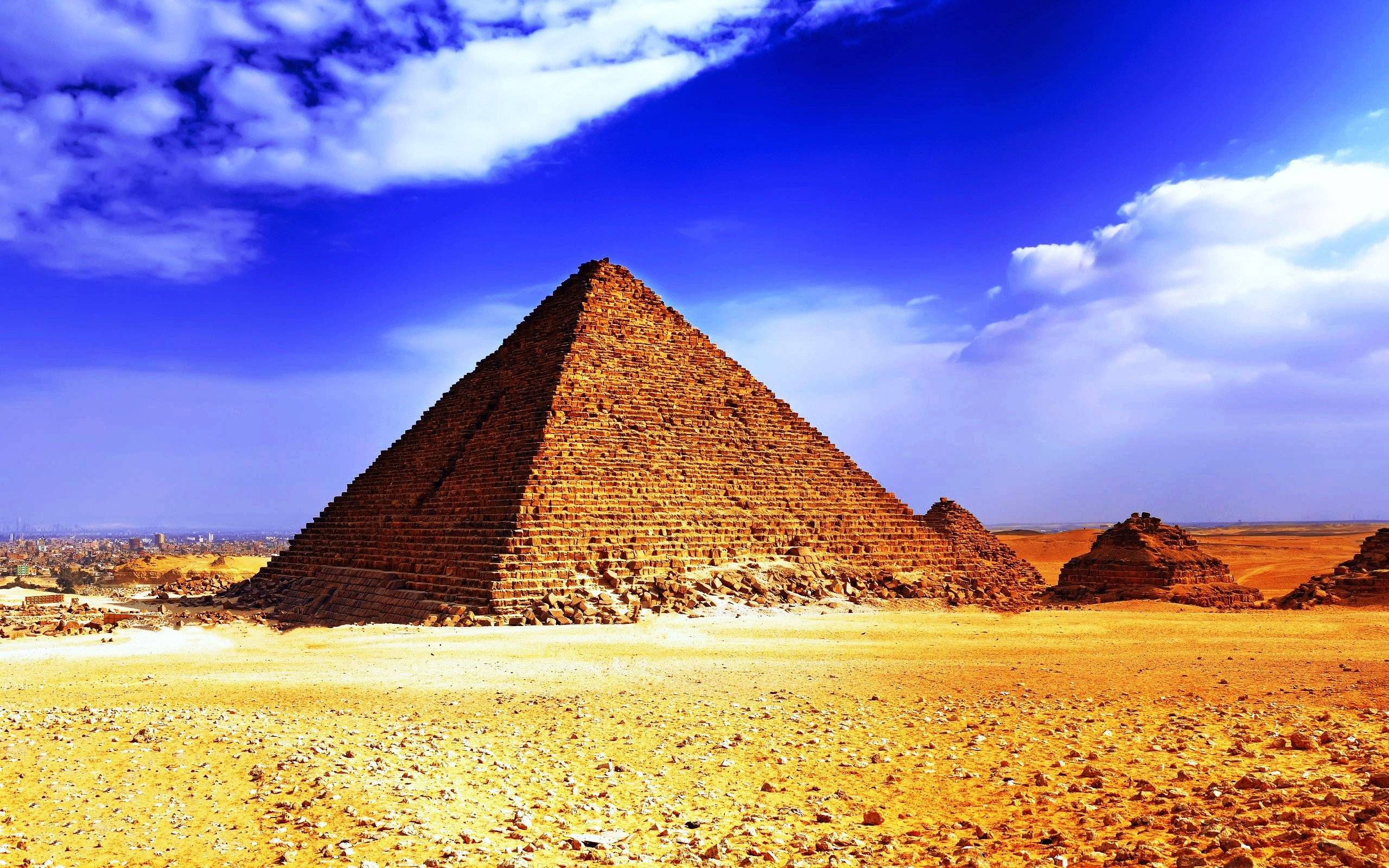 pyramid background-#5