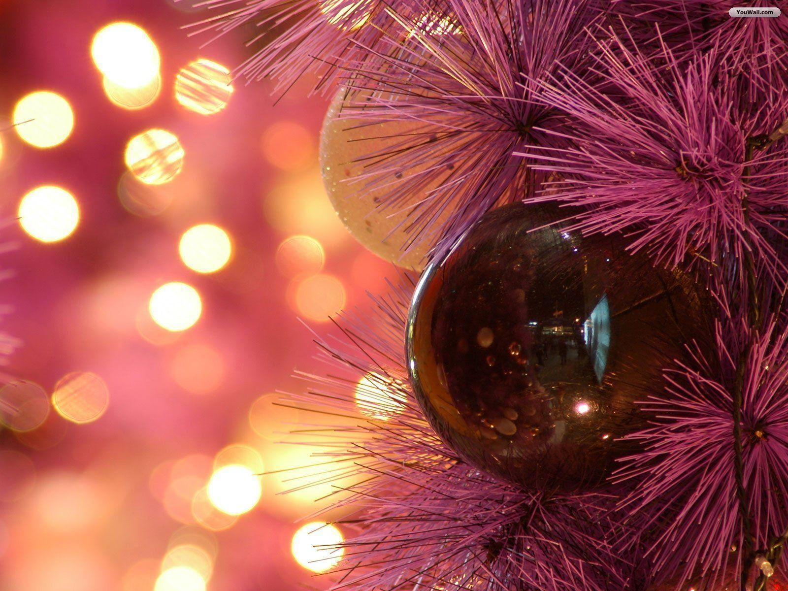 Wallpapers For > Red Christmas Ornaments Wallpaper