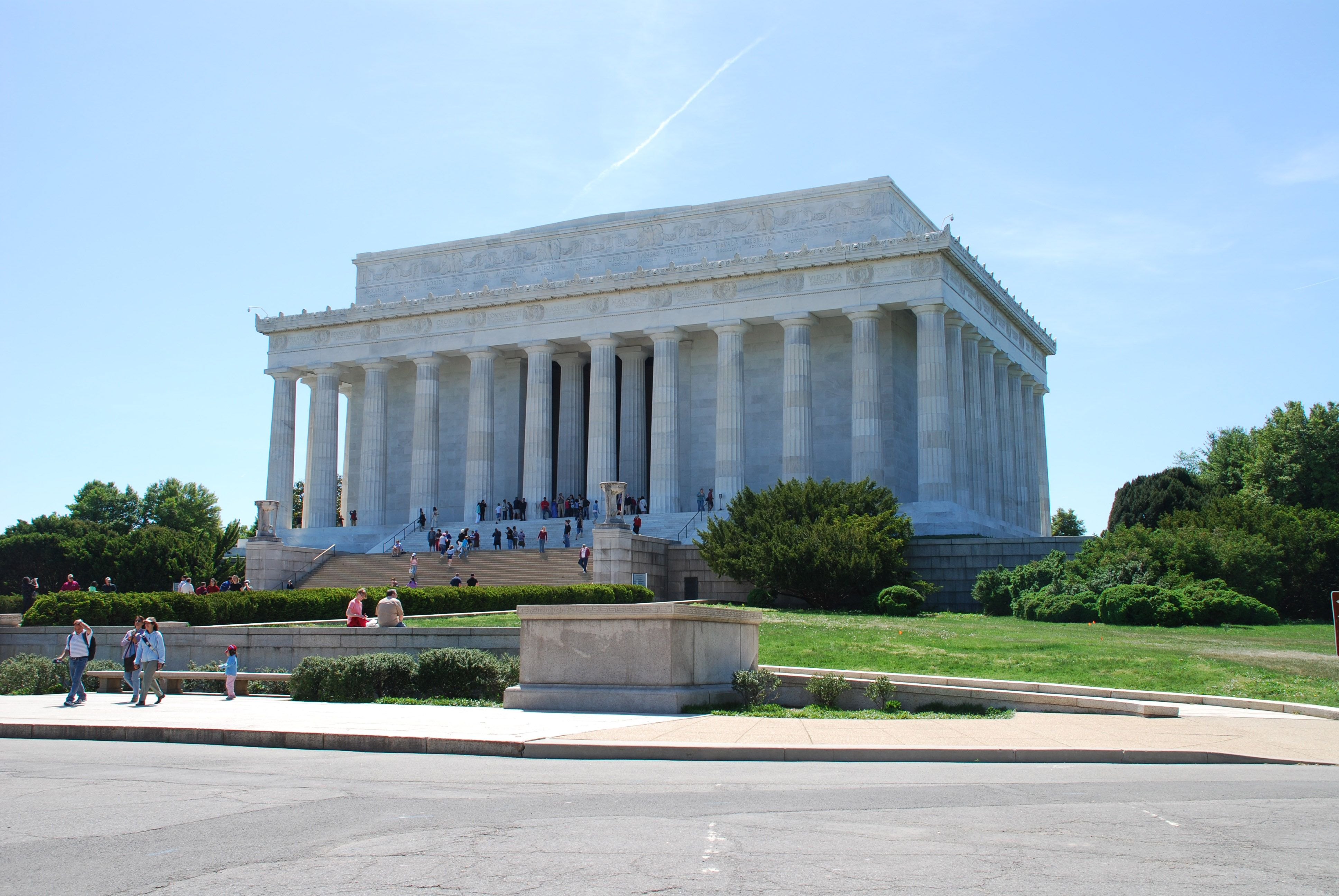 Lincoln Memorial, National Mall : Travel Wallpaper and Stock Photo