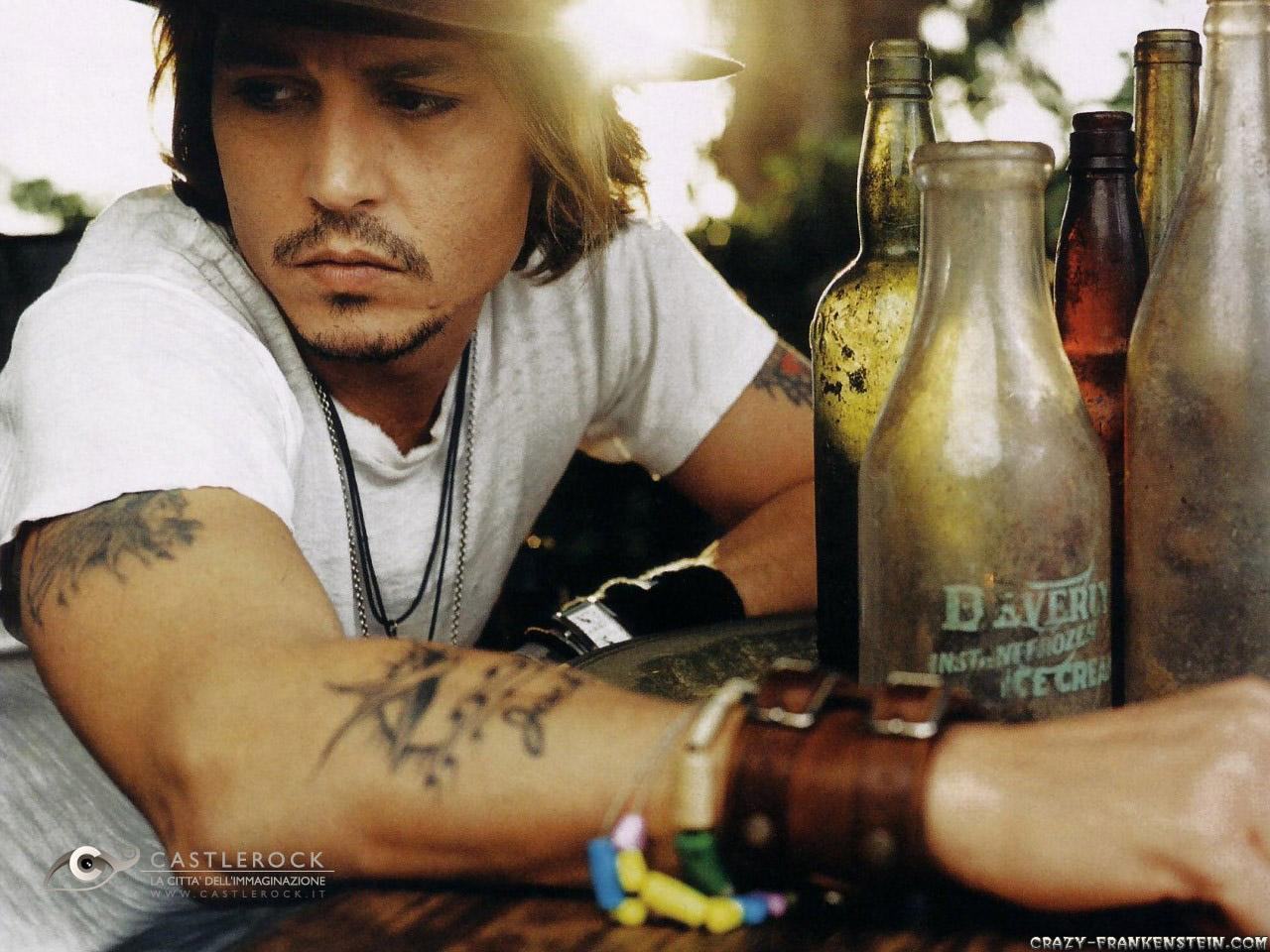 Johnny Depp wallpapers 2 - Male celebrity - Crazy Frankenstein
