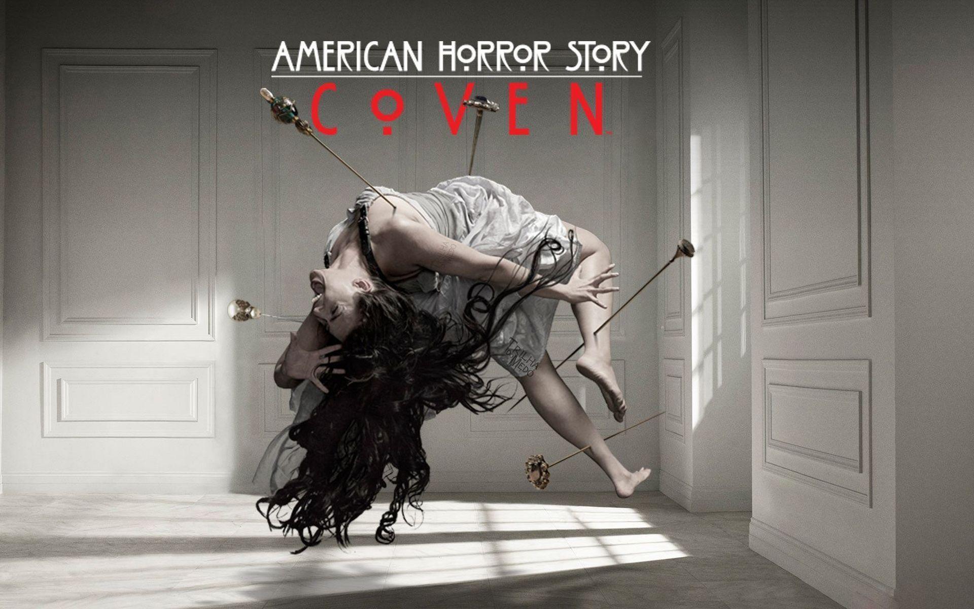 American Horror Story popularmente abreviado como AHS es una serie de televisión estadounidense de antología horror y drama creada por Ryan Murphy y Brad