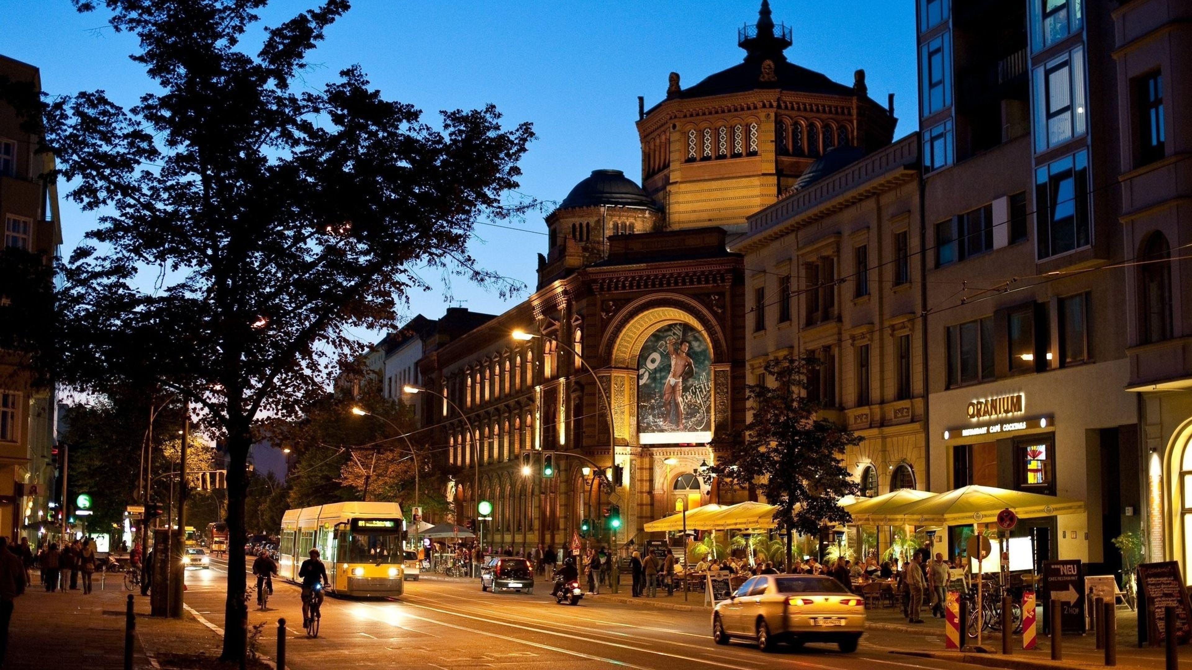 Download Wallpaper 3840x2160 Barcelona, city, Building, Street ...