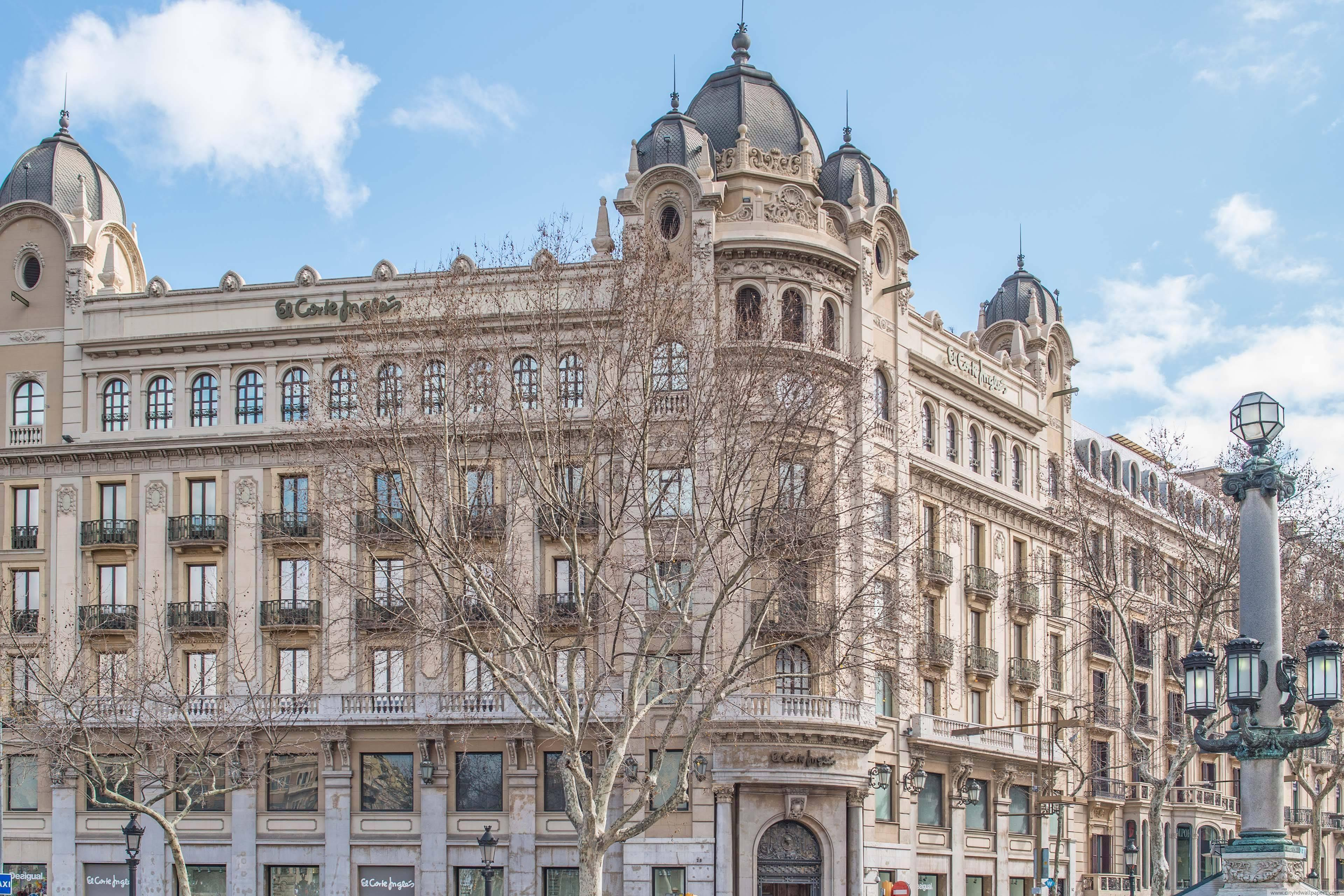 The English Court Building in Barcelona city | city wallpaper
