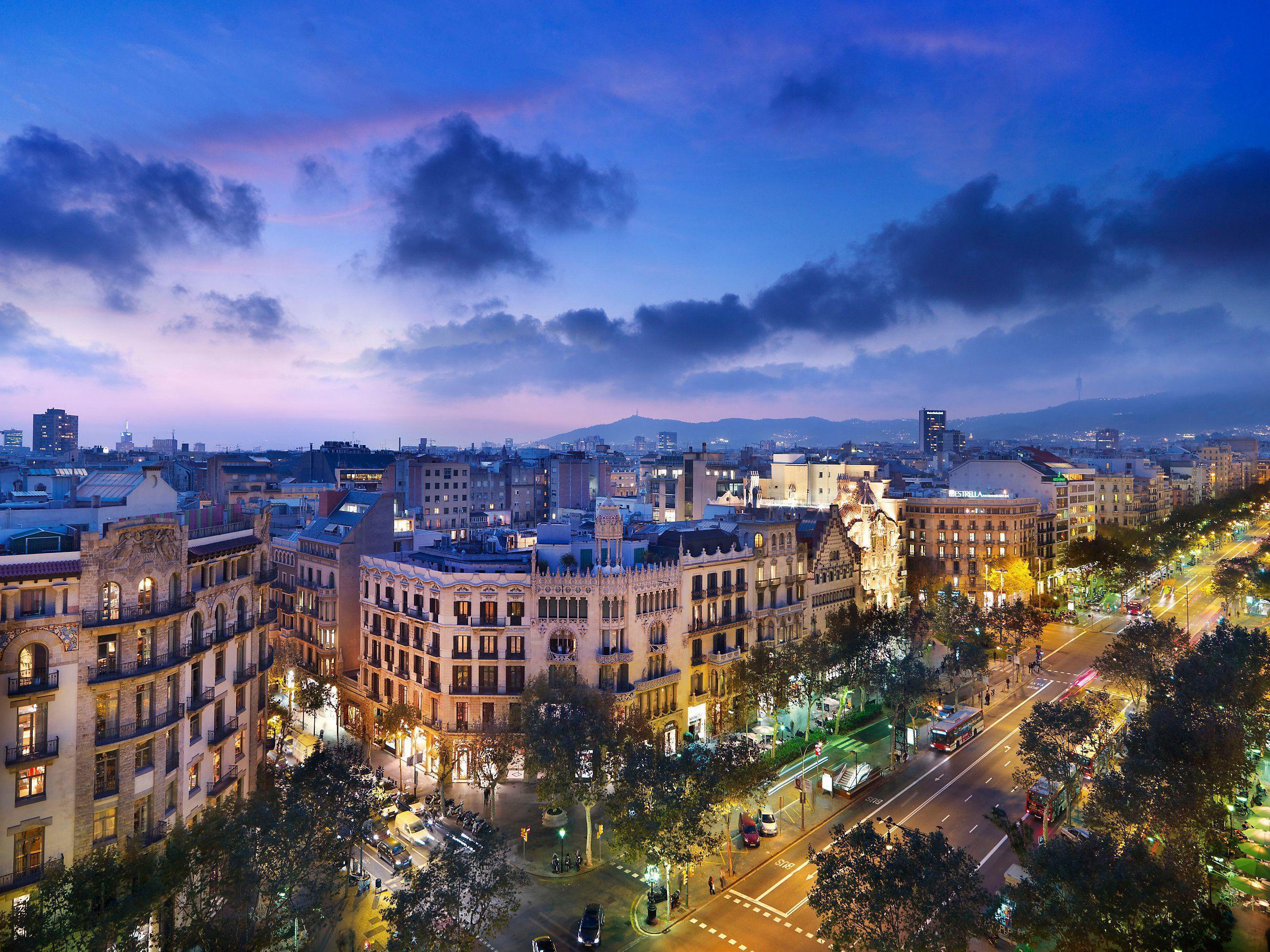 Barcelona At Night wallpaper – wallpaper free download
