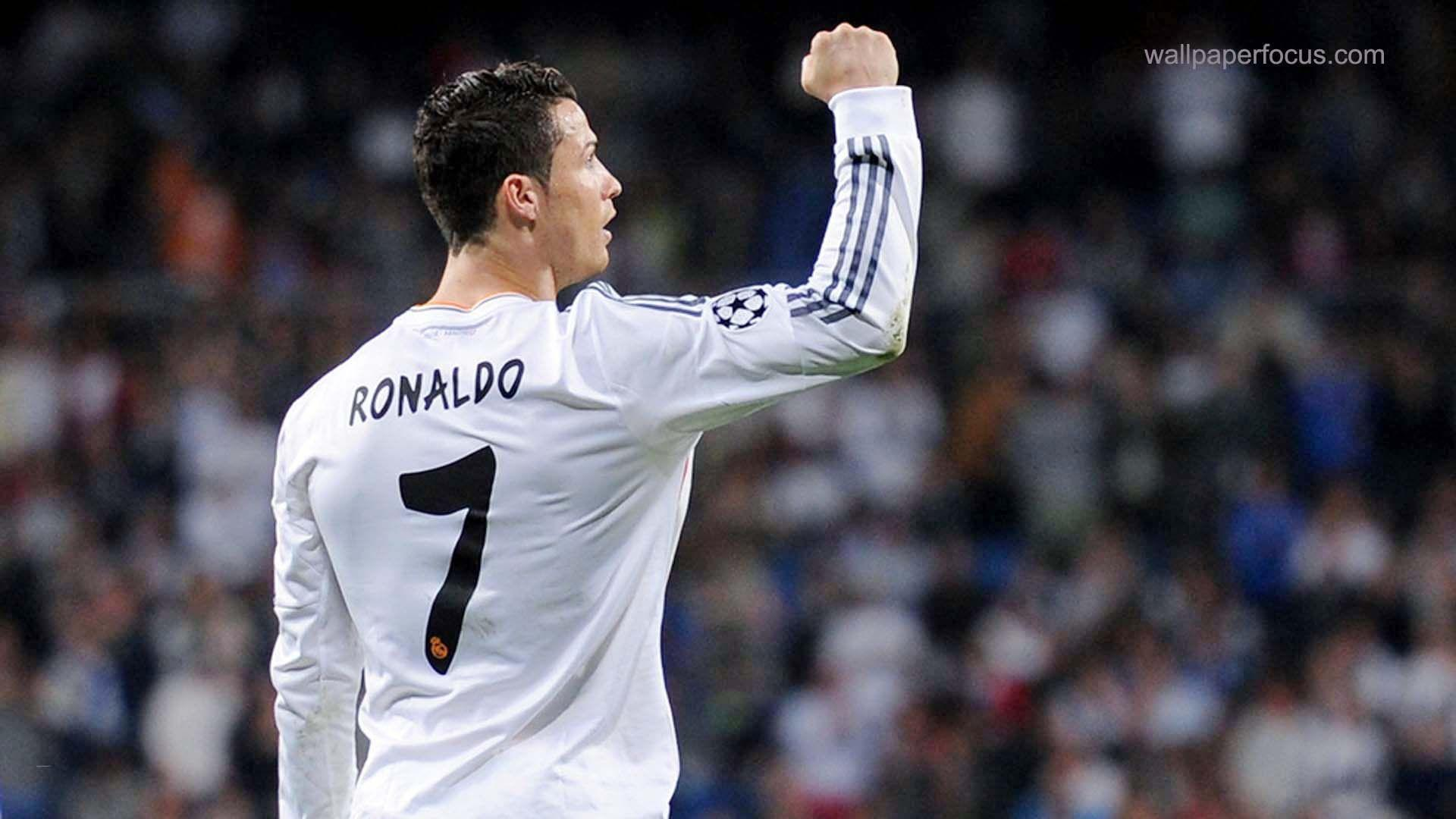 Amazing HD Quality Cristiano Ronaldo Pictures & Backgrounds Collection