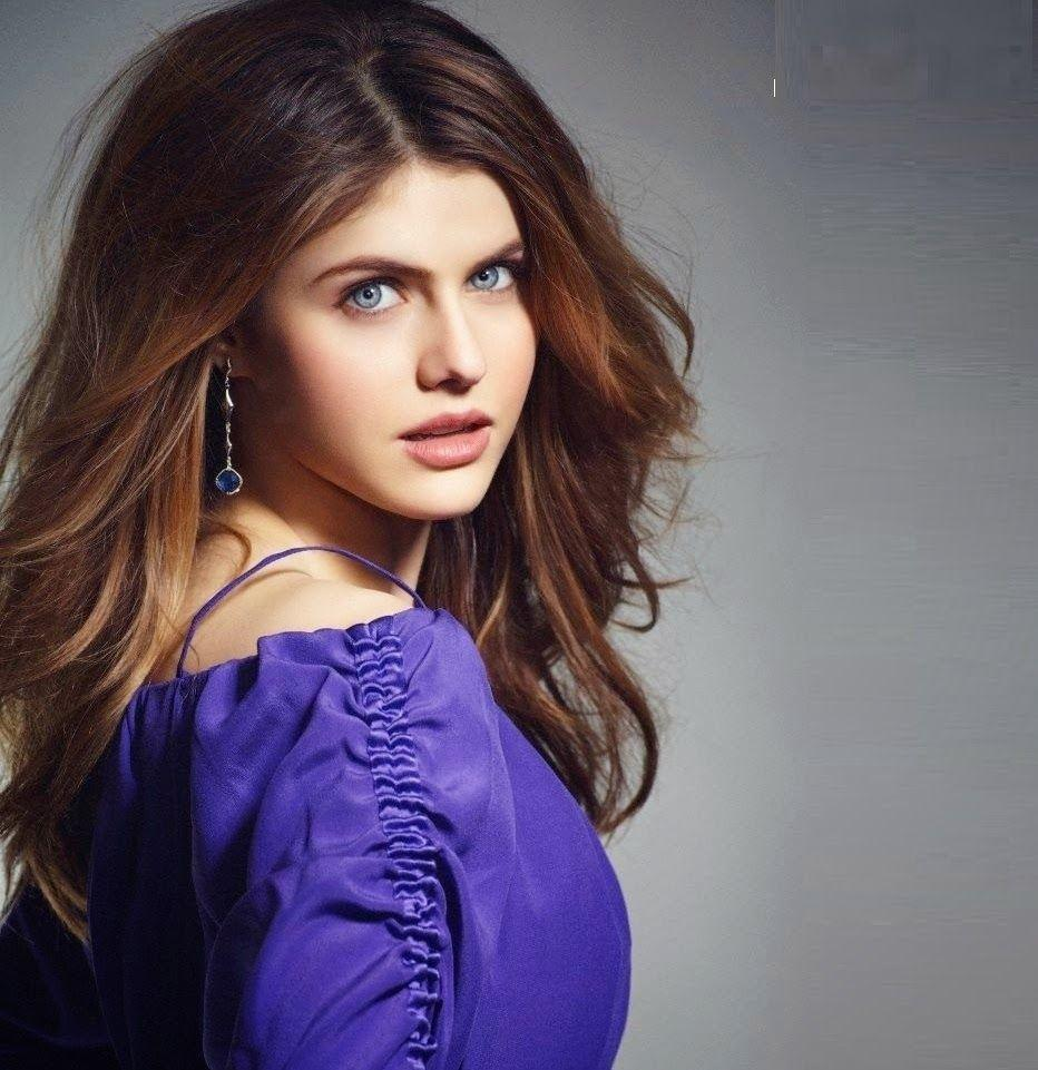 Beautiful Alexandra Daddario Images HD Wallpaper