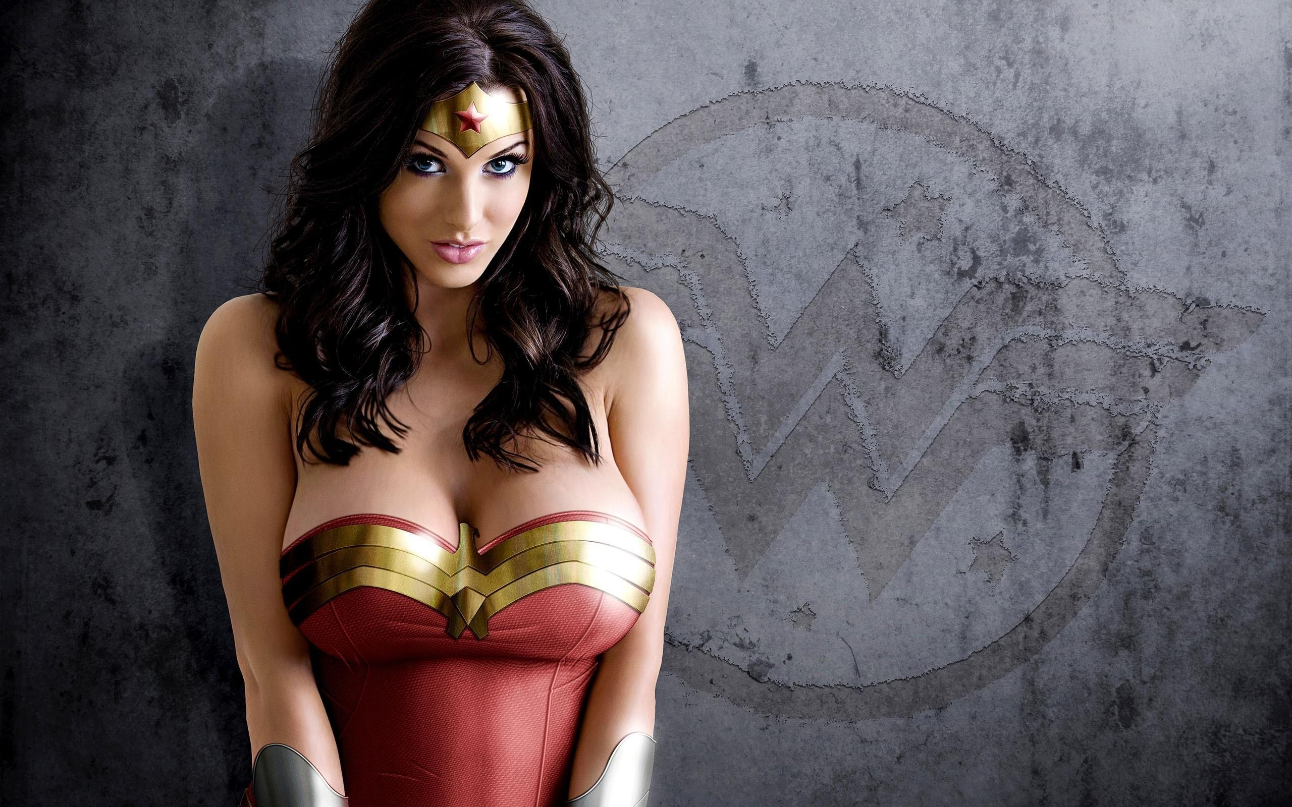 Wonder Woman Wallpaper Images ~ Sdeerwallpaper