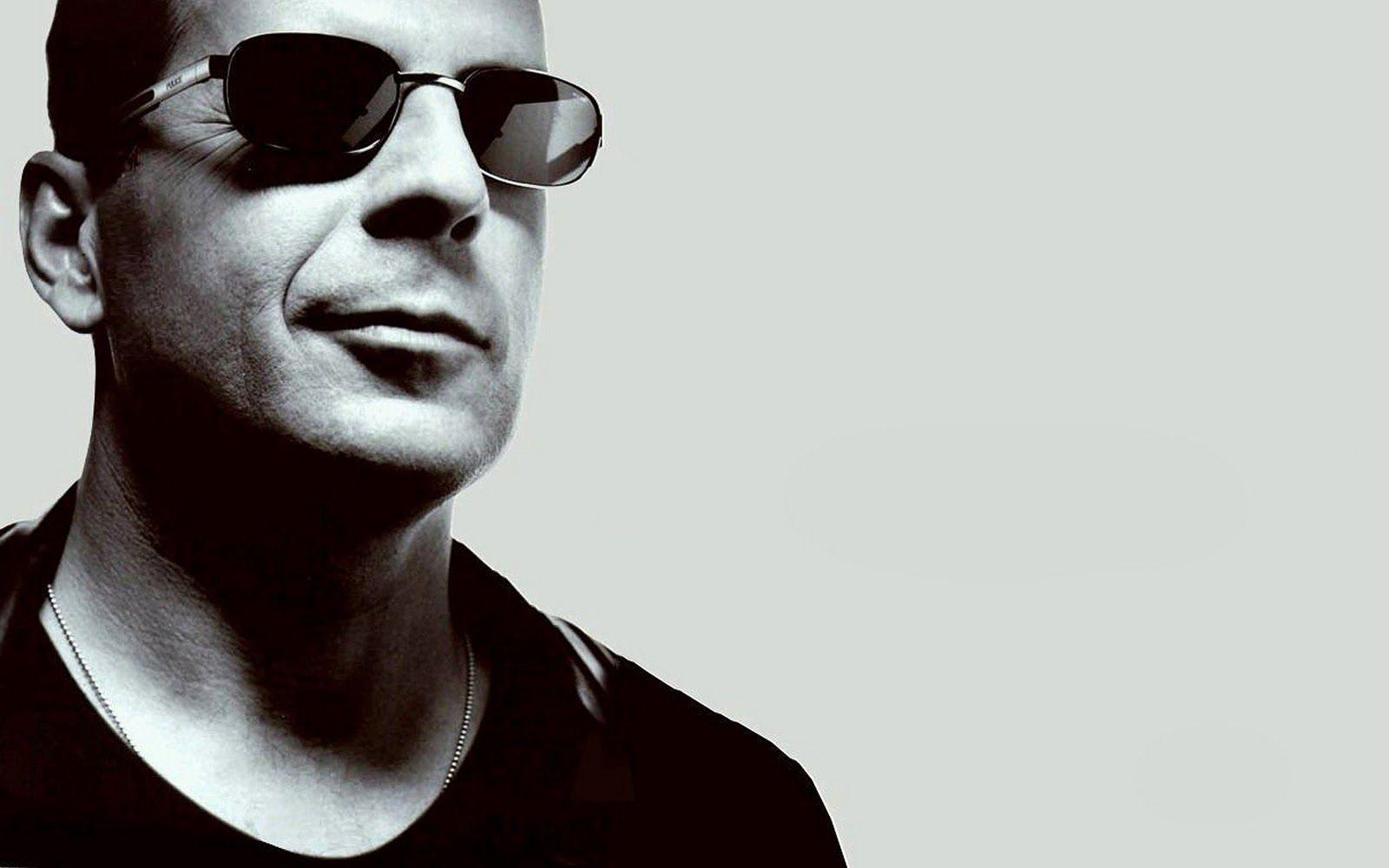 Best Desktop HD Wallpaper - Bruce Willis Wallpapers