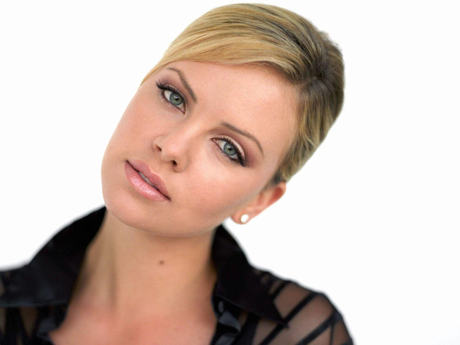 Charlize Theron wallpapers | Wallpapers Inbox