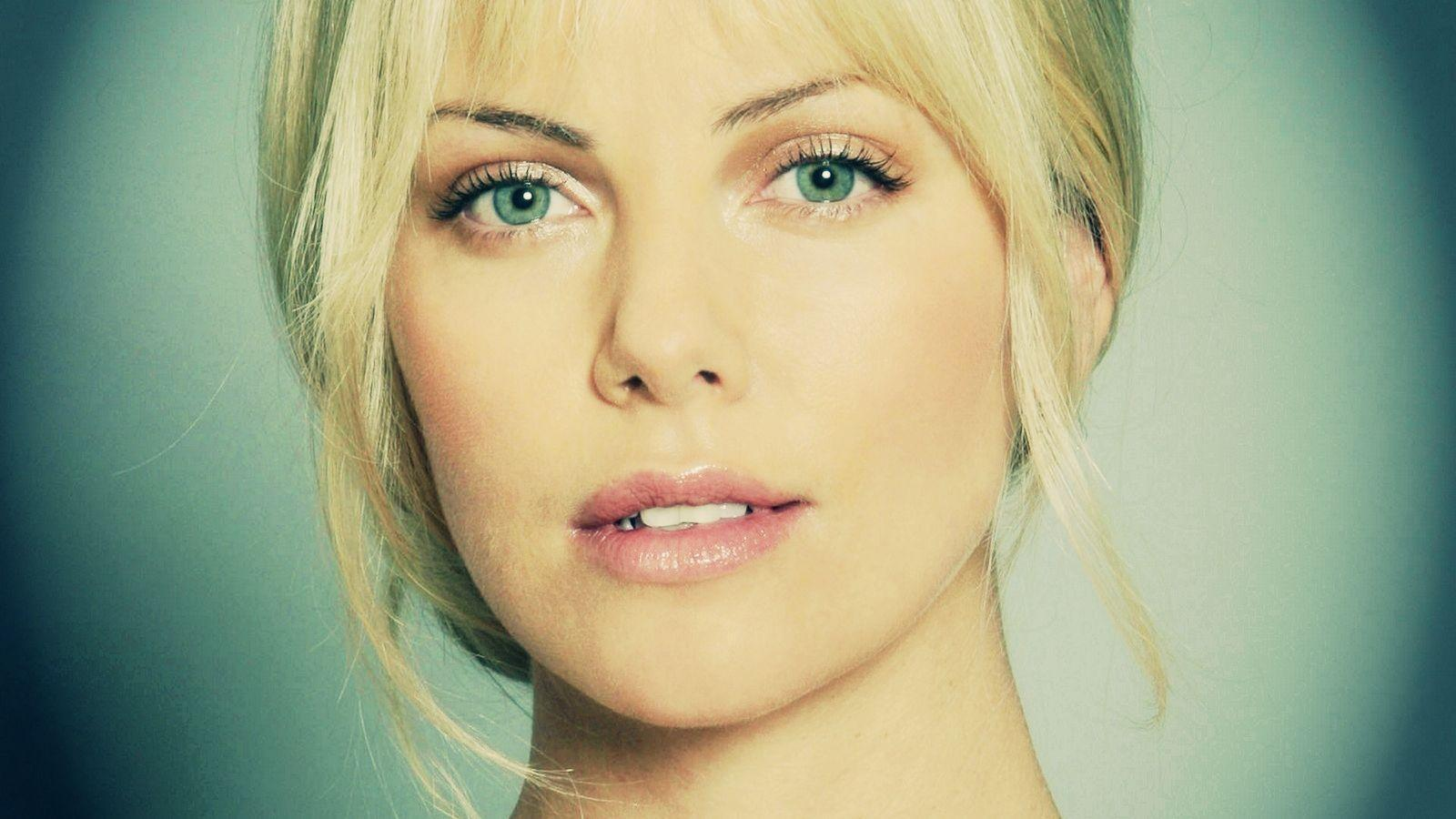 Charlize Theron best hdwallpapers