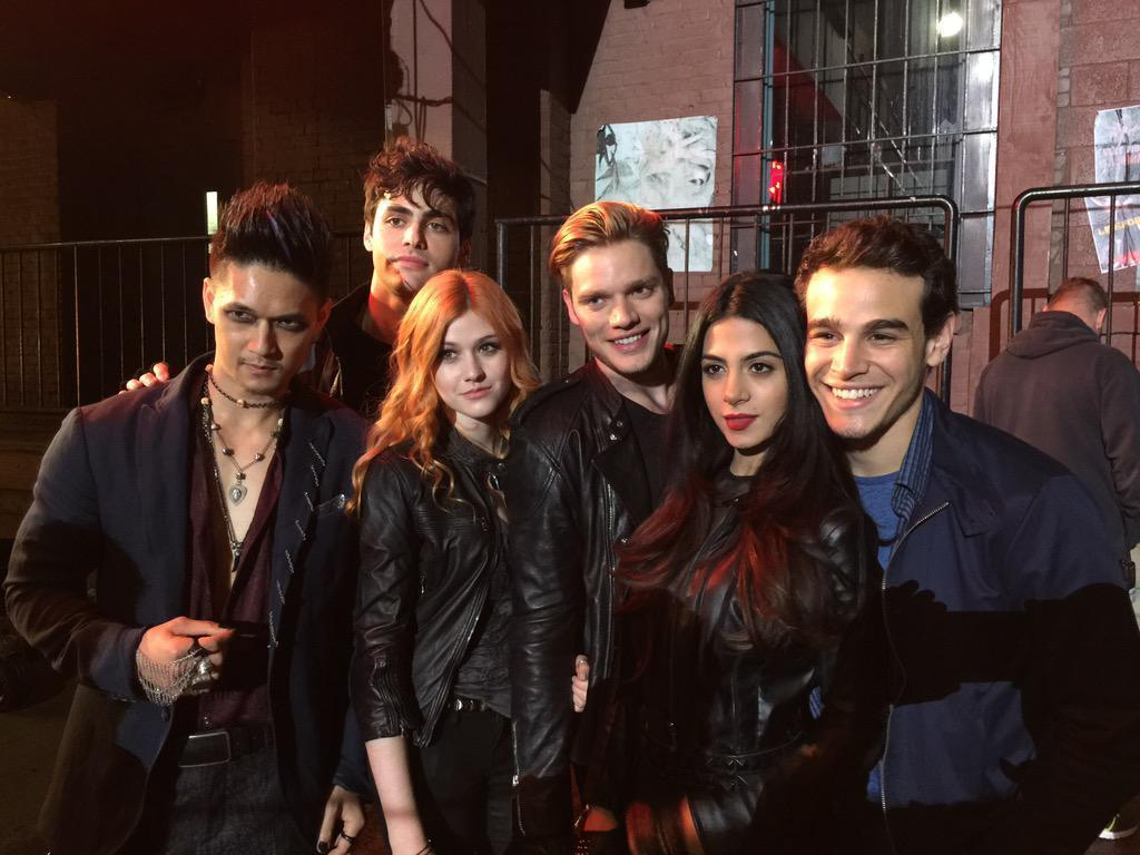 1000+ ideas about Shadowhunters Tv Show Cast on Pinterest ...