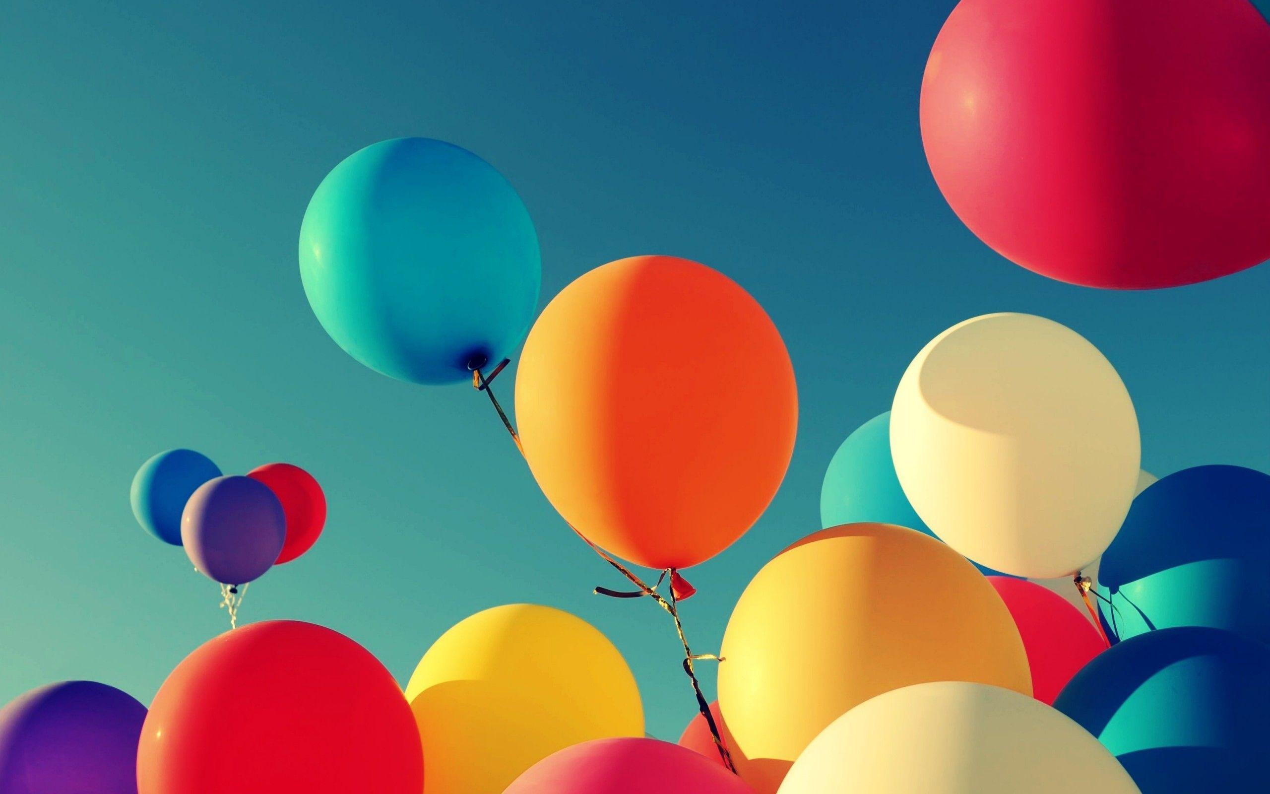 42 Balloon HD Wallpapers