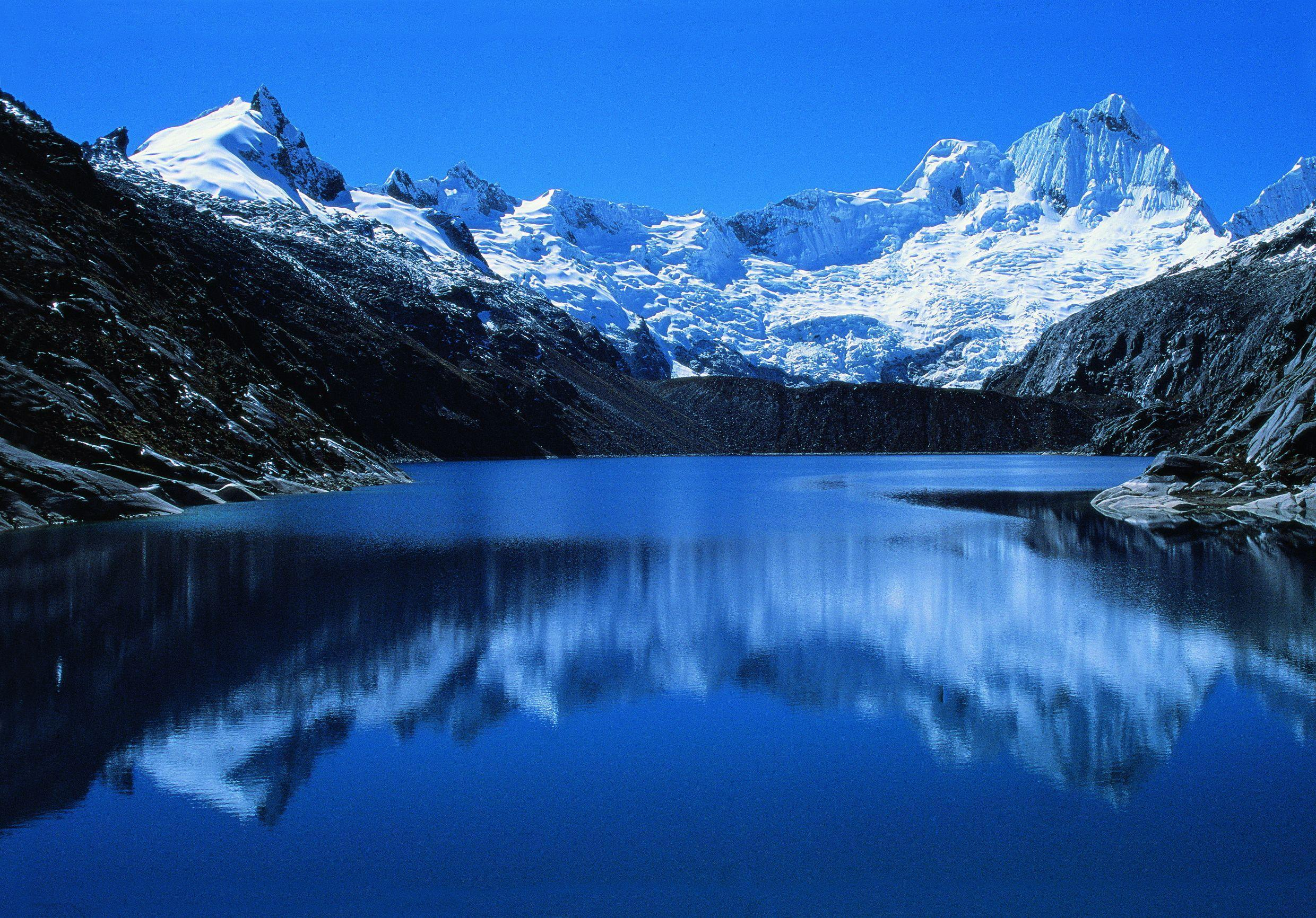 Blue lake in Peru wallpapers and image