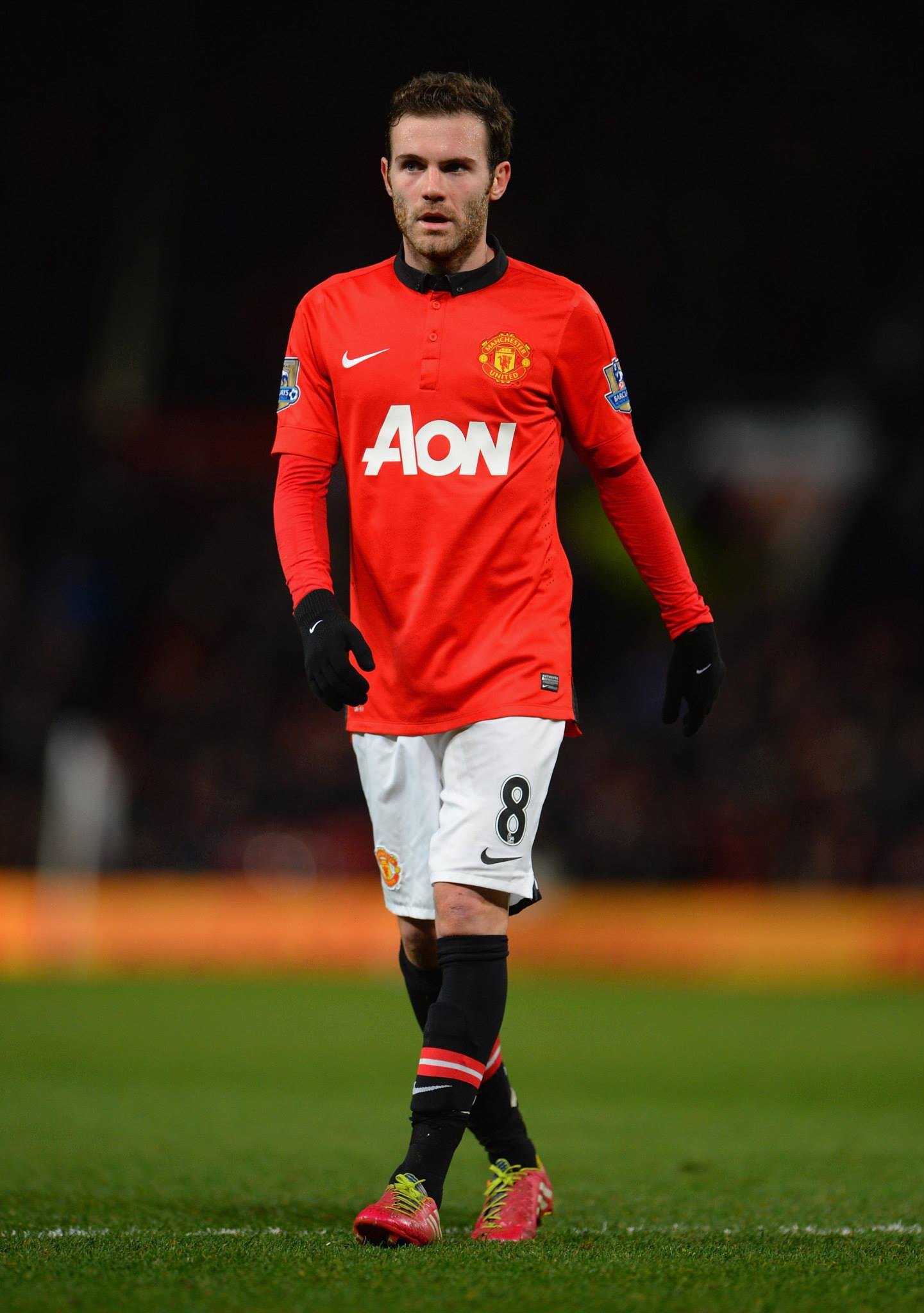 Juan Mata Looks On During The Game (id: 130141) - BUZZERG