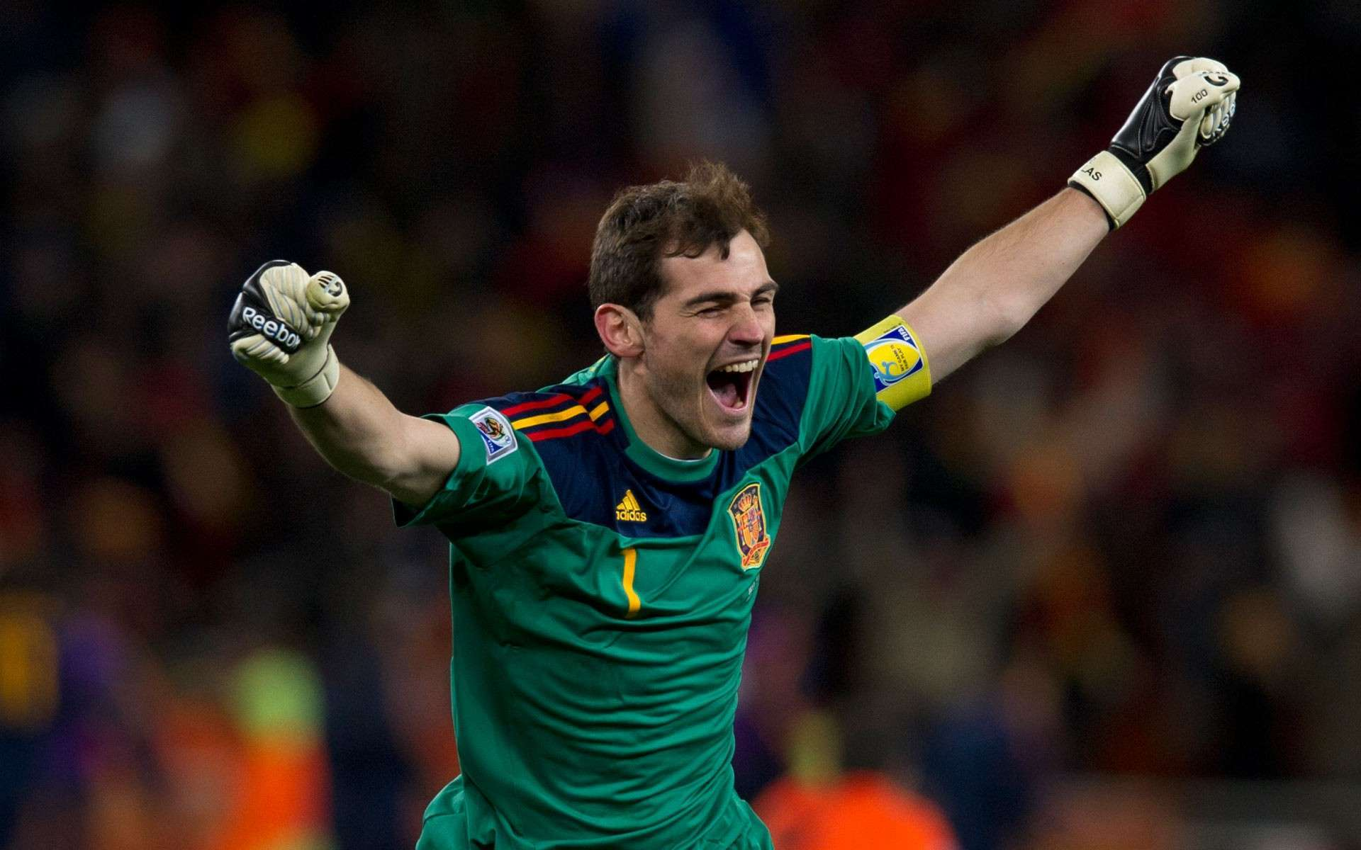 Iker Casillas wallpaper and Theme for Windows Xp/7/8.1/10 | All ...