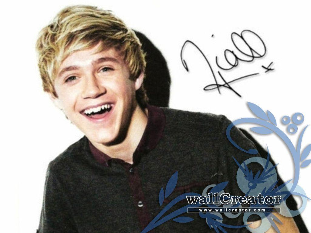 Niall Horan - 1366 / 768 Wallpaper