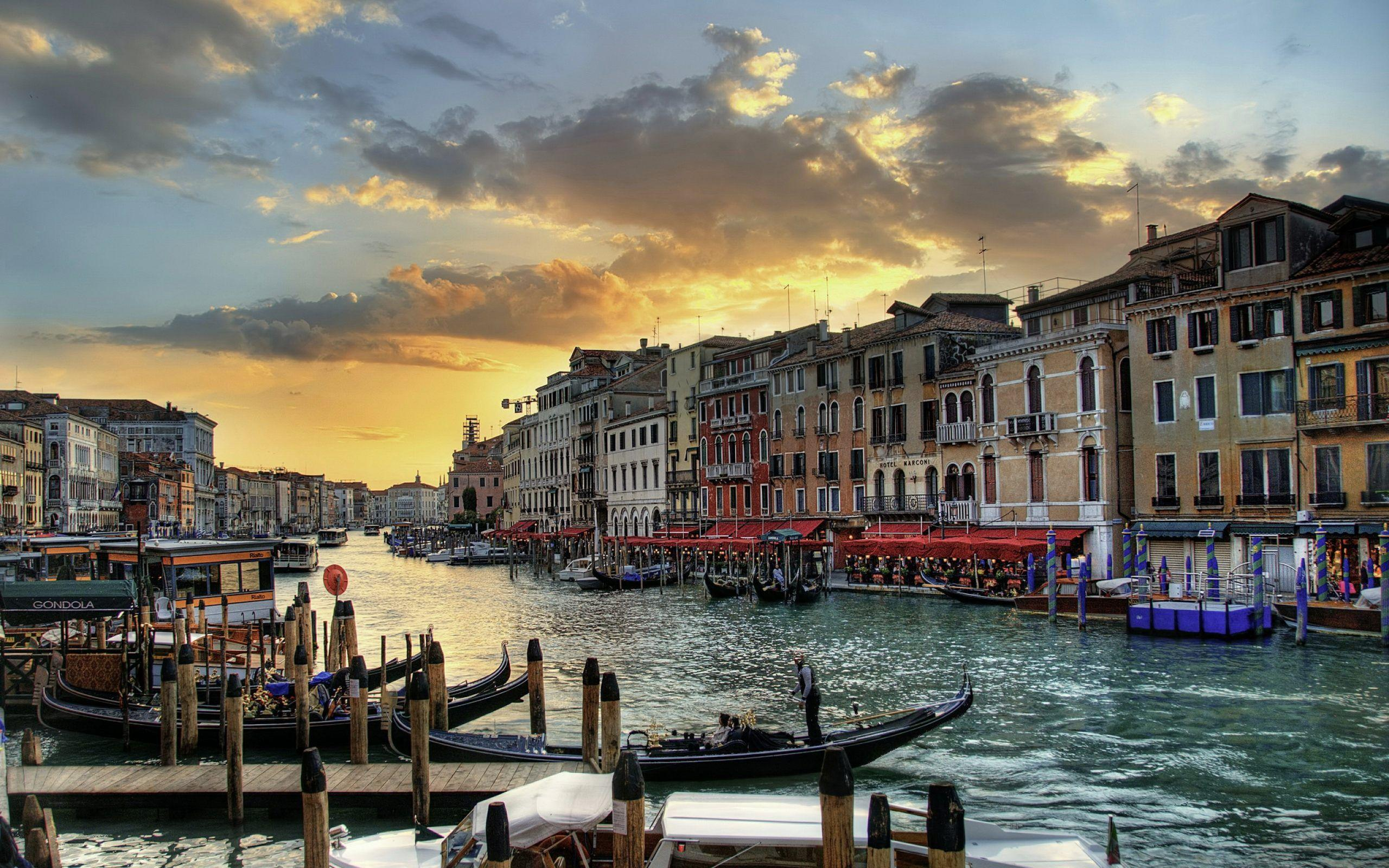 Venice Italy Wallpapers Download HD For Desktop and Mobile