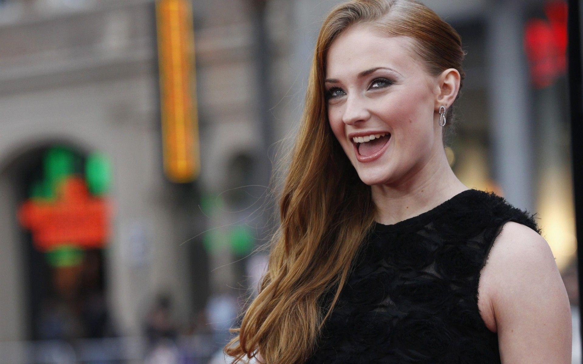 Sophie Turner Wallpapers Image Photos Pictures Backgrounds