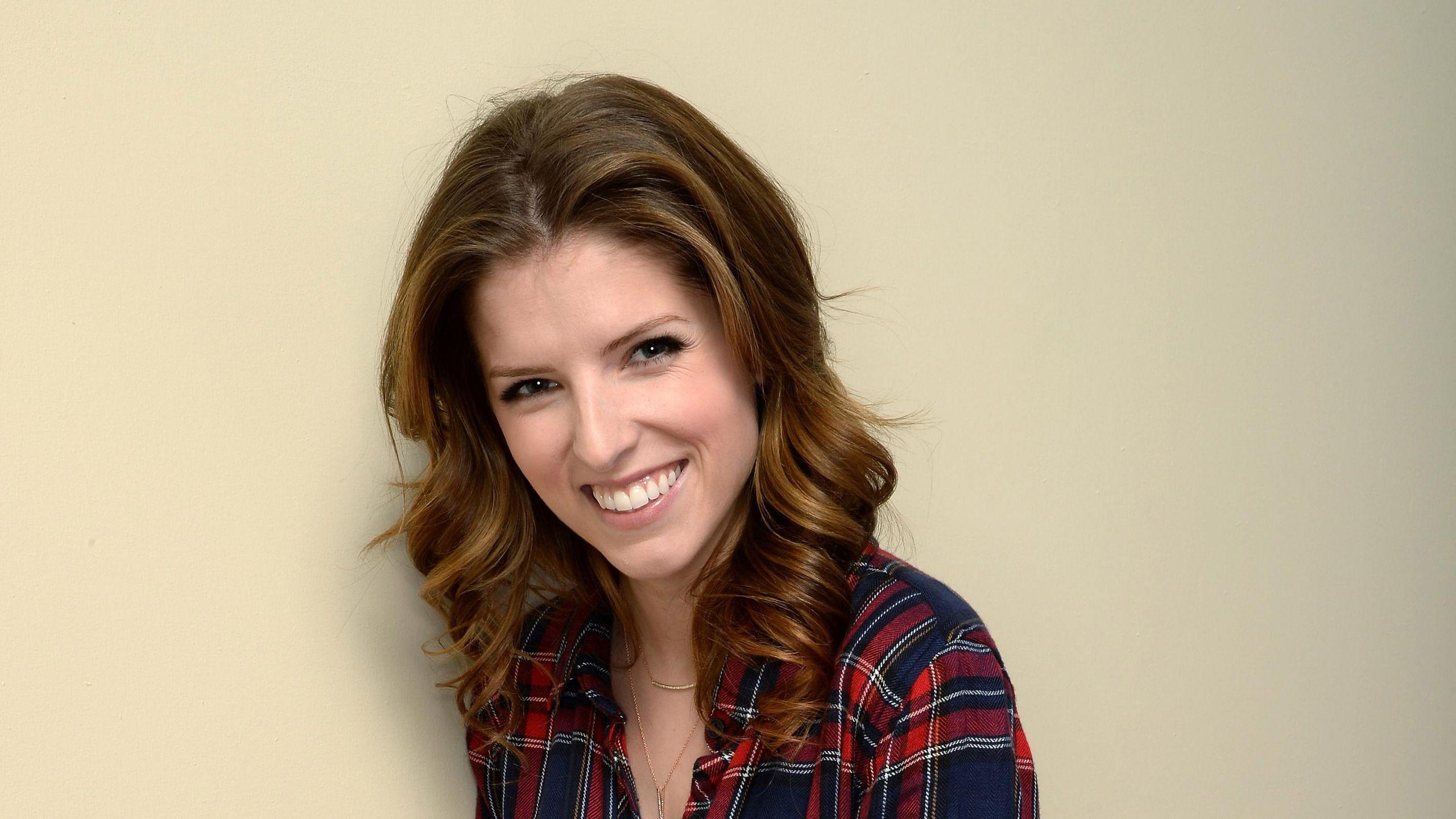 Anna Kendrick Wallpapers Image Photos Pictures Backgrounds