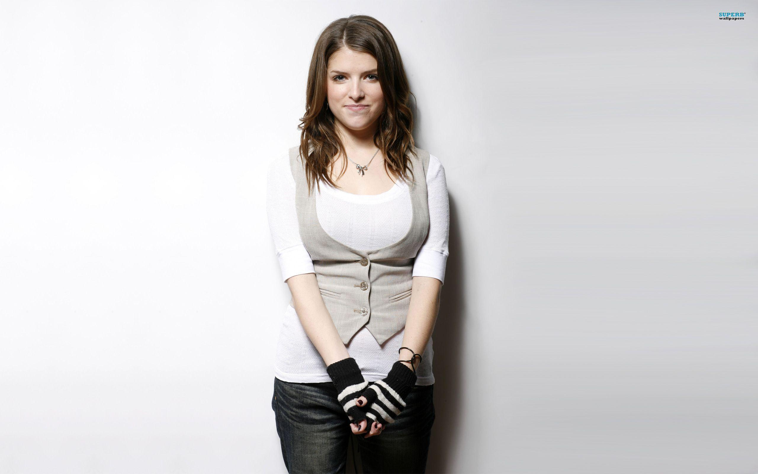 Anna Kendrick Wallpapers High Quality