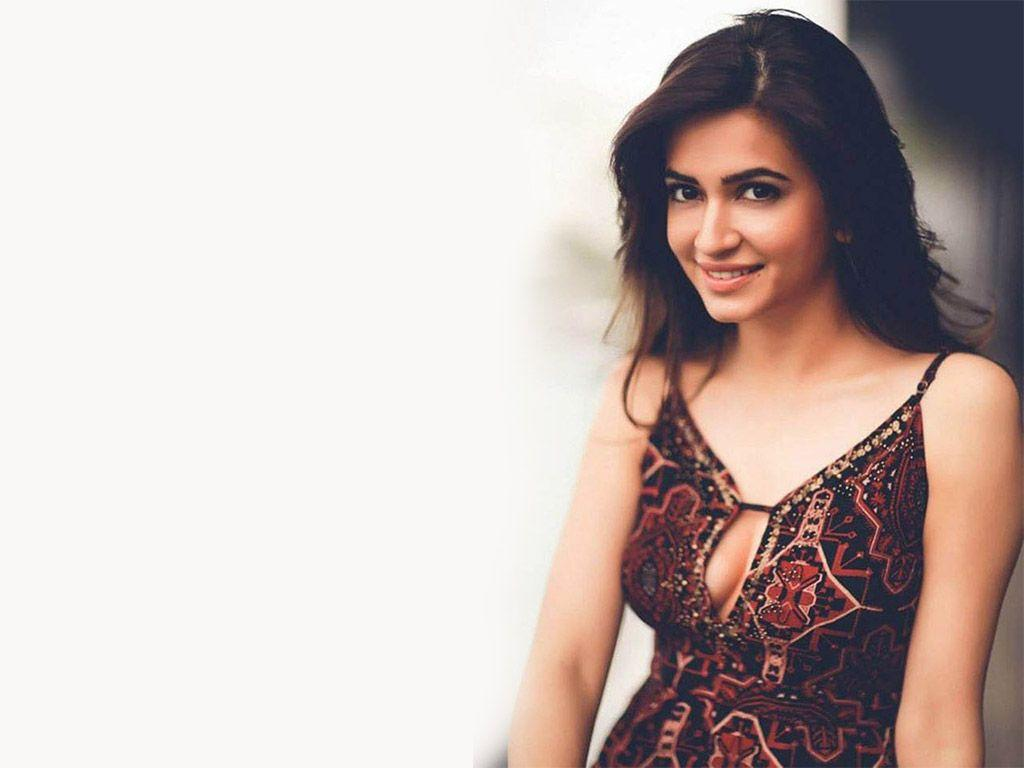 Cute Kriti HD wallpaper for download