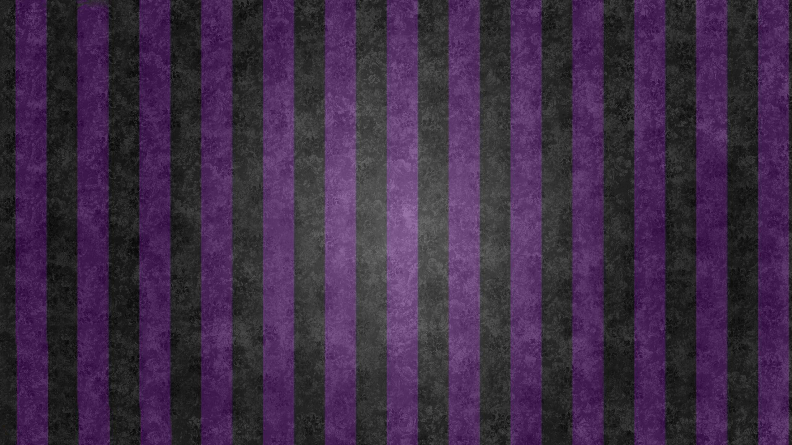 Superfresco Wallpaper Java Stripe Plum at