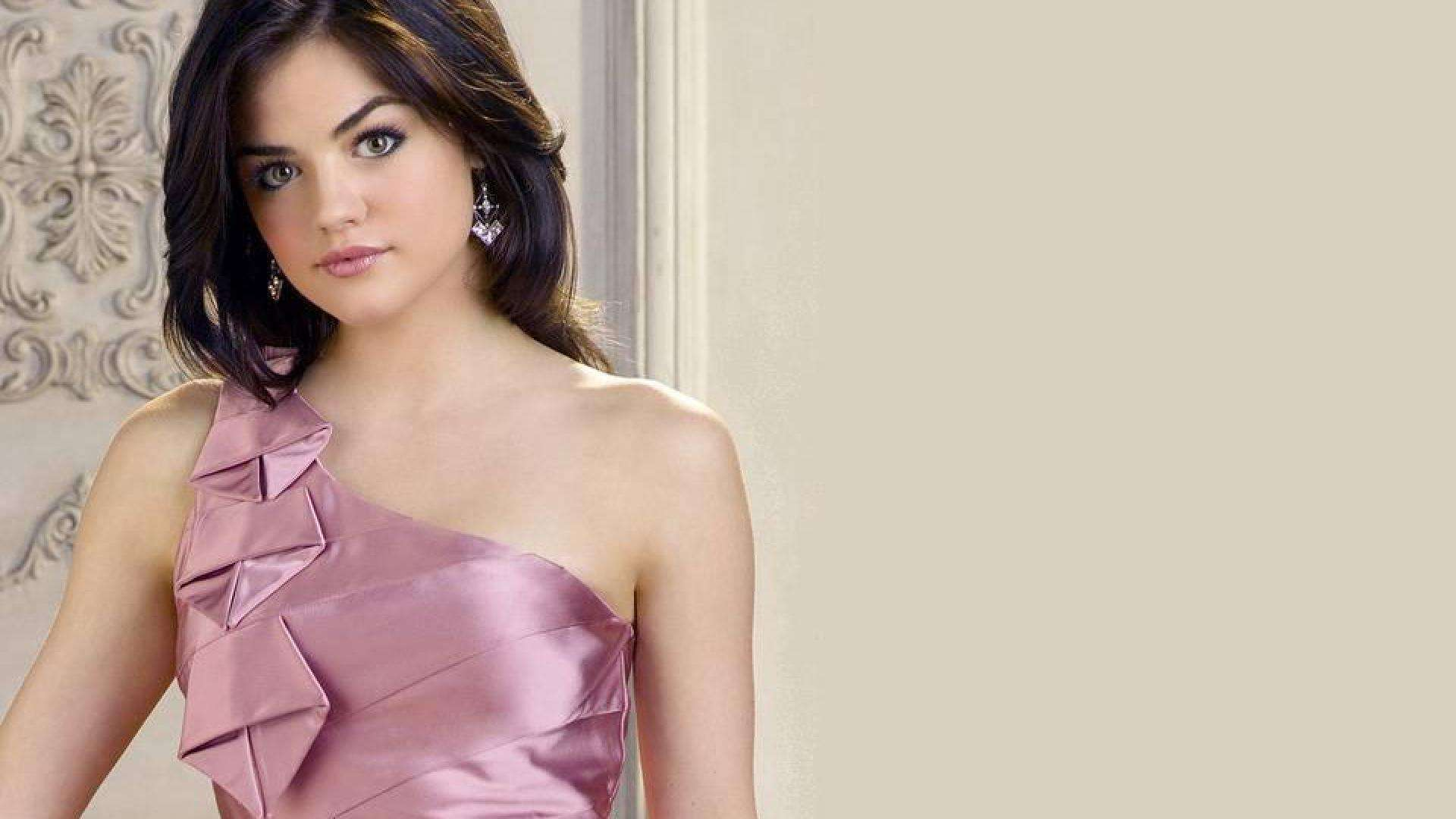 Lucy Hale Wallpapers High Quality | Download Free