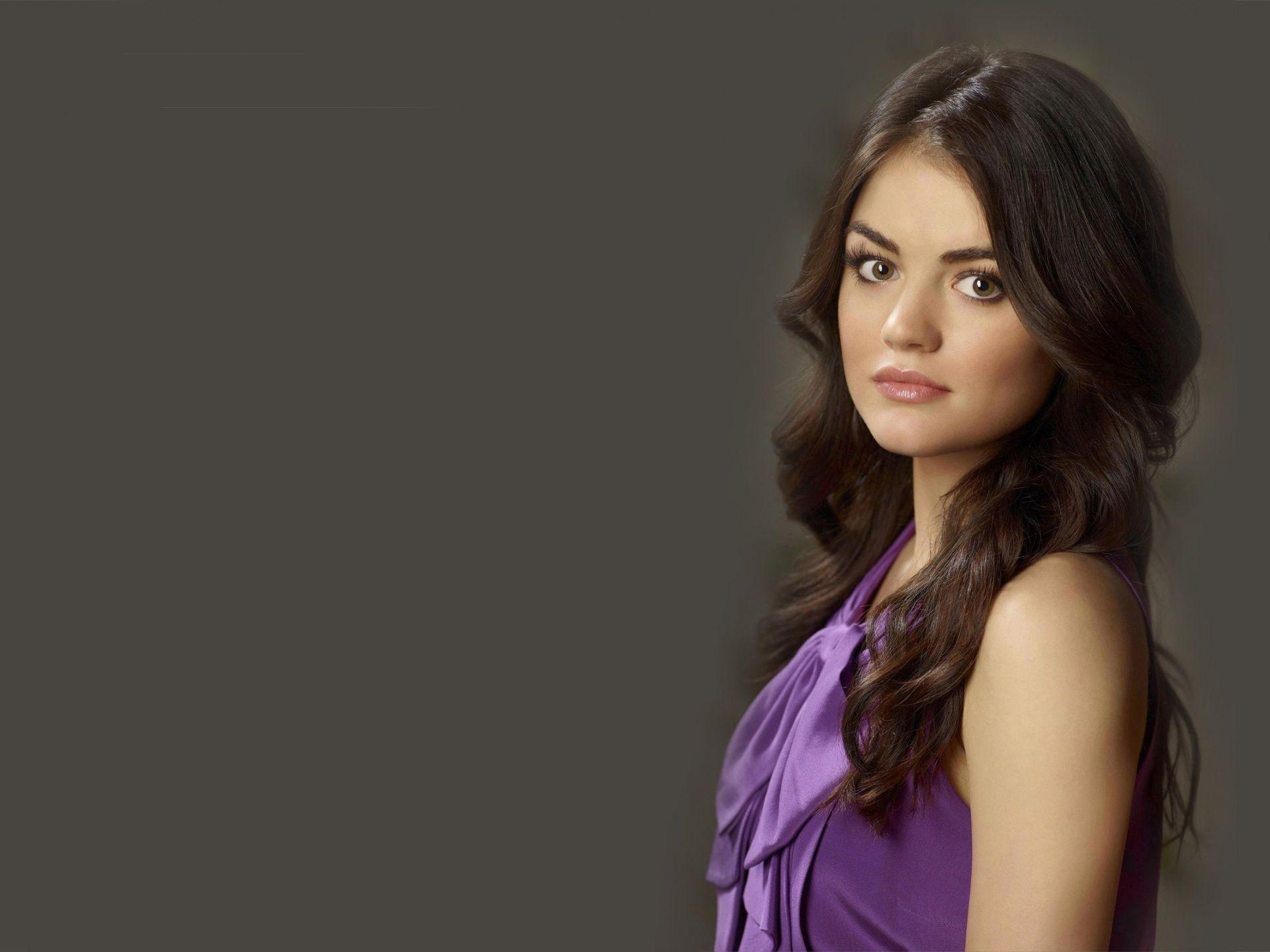 Lucy Hale Wallpaper |