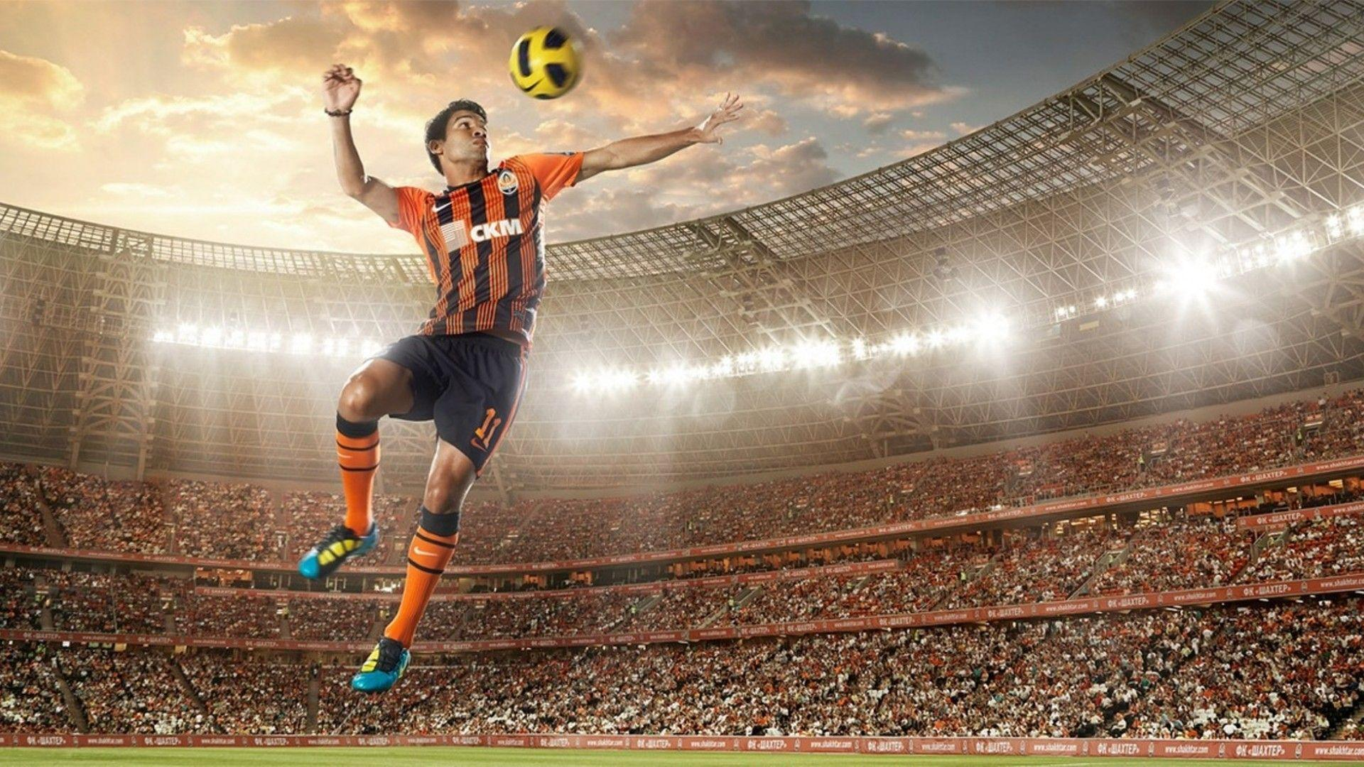 Football - photo wallpapers and pictures with football players ...
