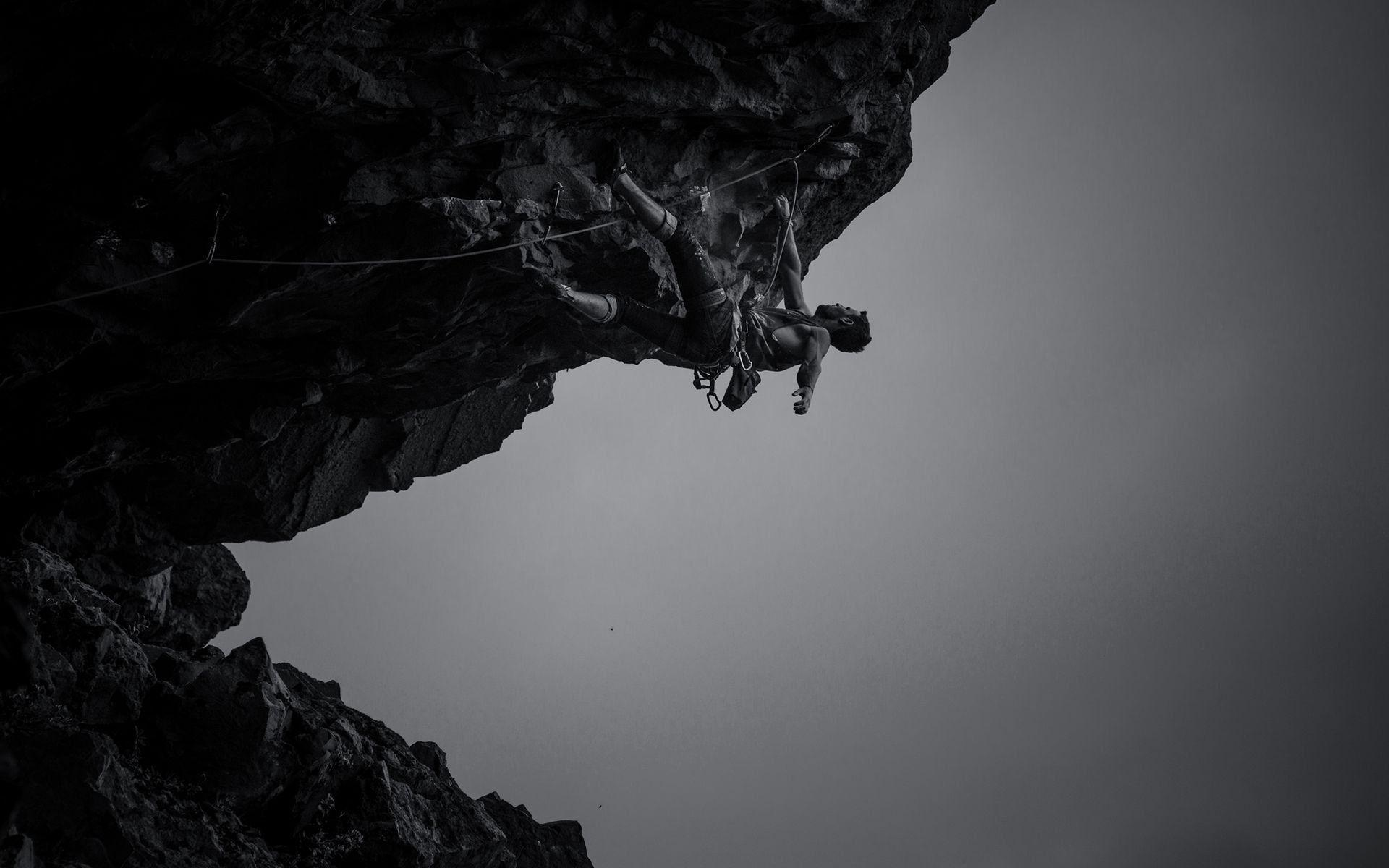 Monochrome Rock Climbing Wallpapers 56283 1920x1200 px