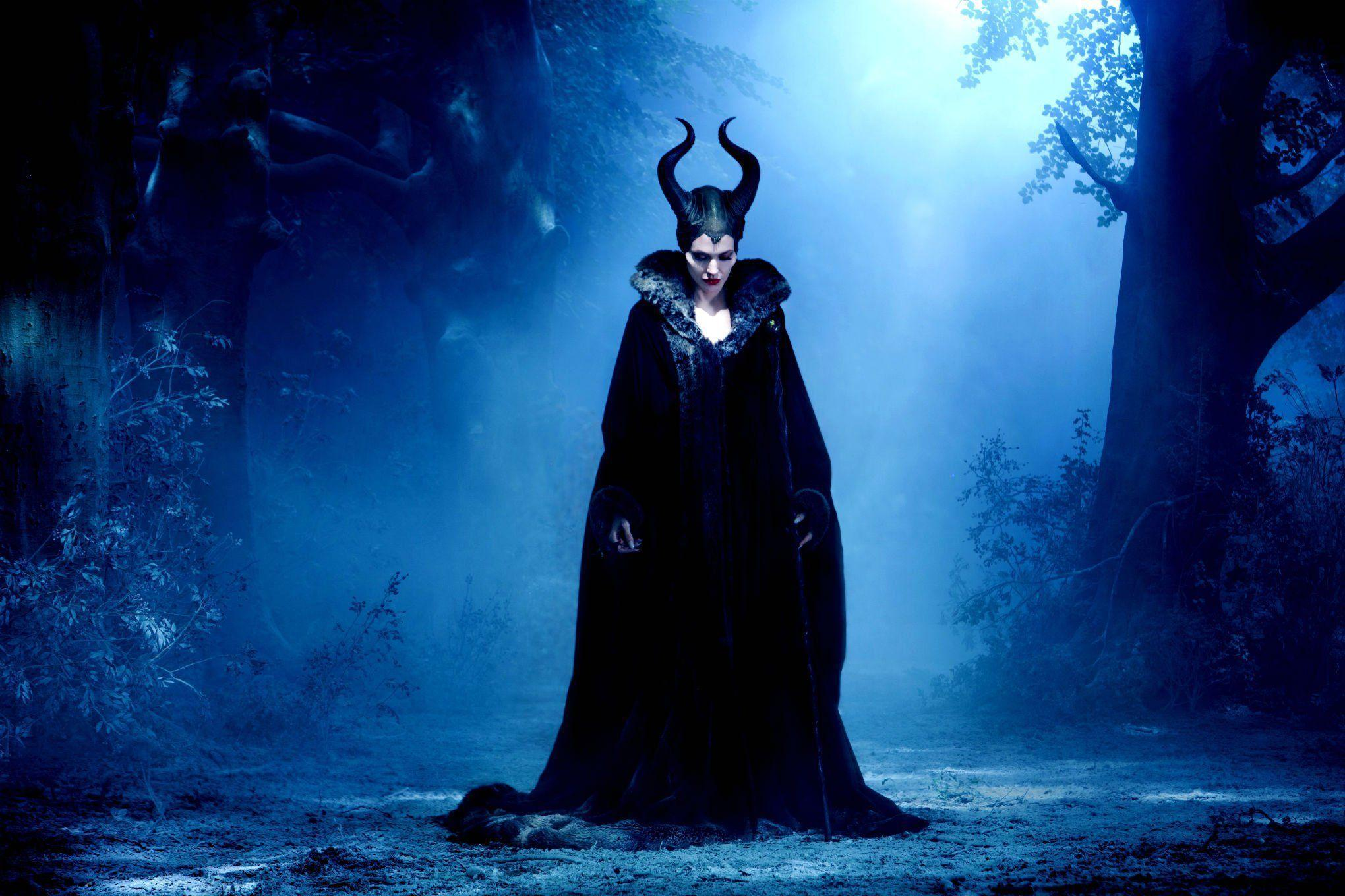 9 HD Maleficent Movie Wallpapers
