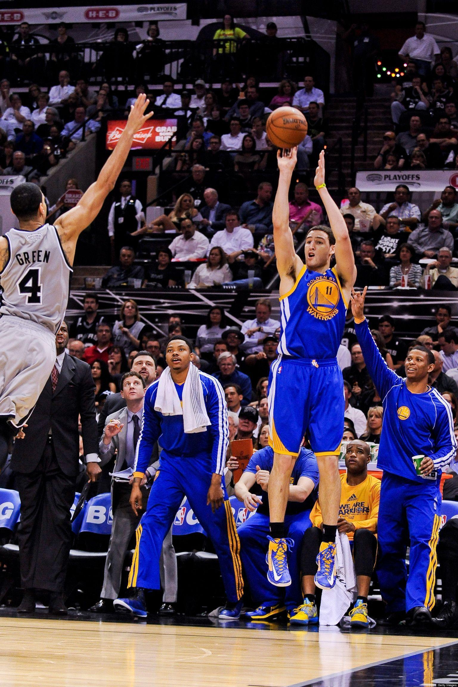 Klay Thompson Dominates In First Half, Warriors Beat Spurs In Game