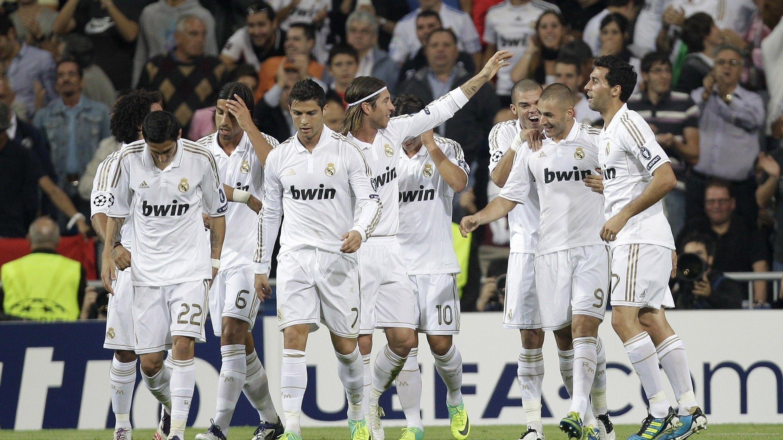 Download 2560x1440 Real Madrid Team Wallpapers