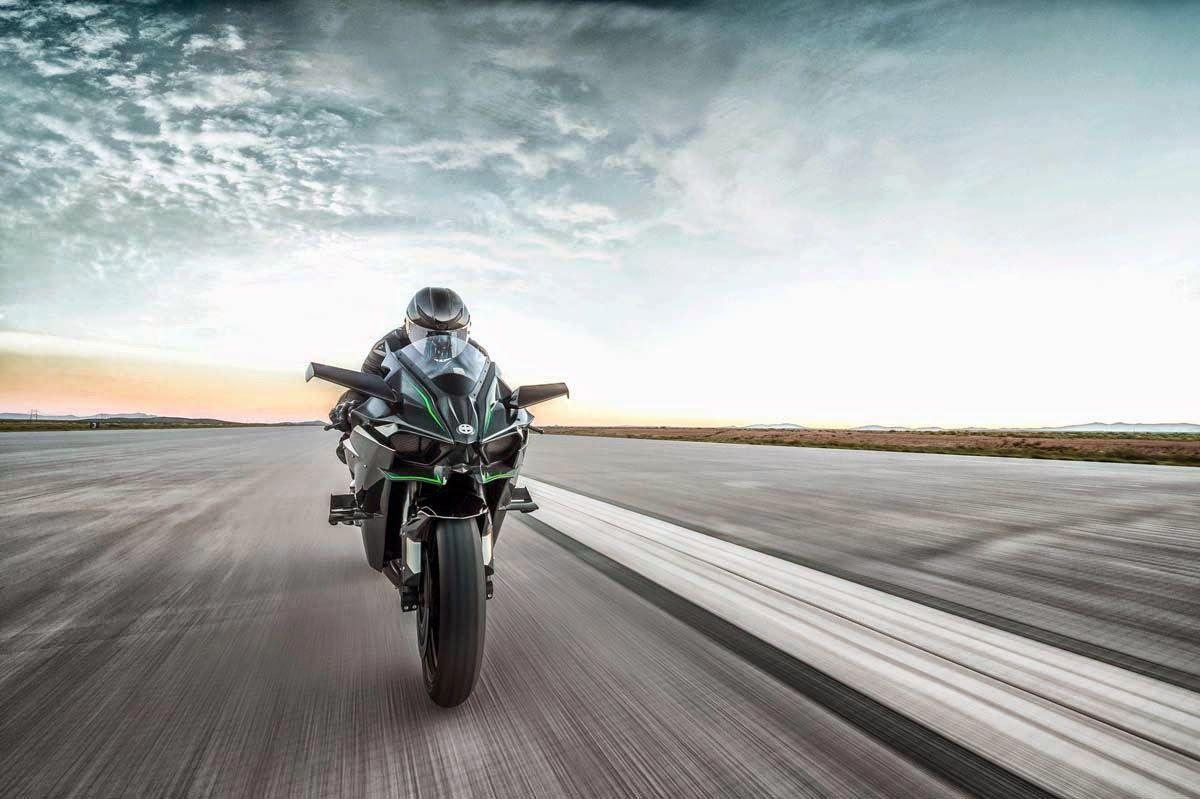 motorcycle and bike review: 2015 Kawasaki Ninja H2r Far front view ...