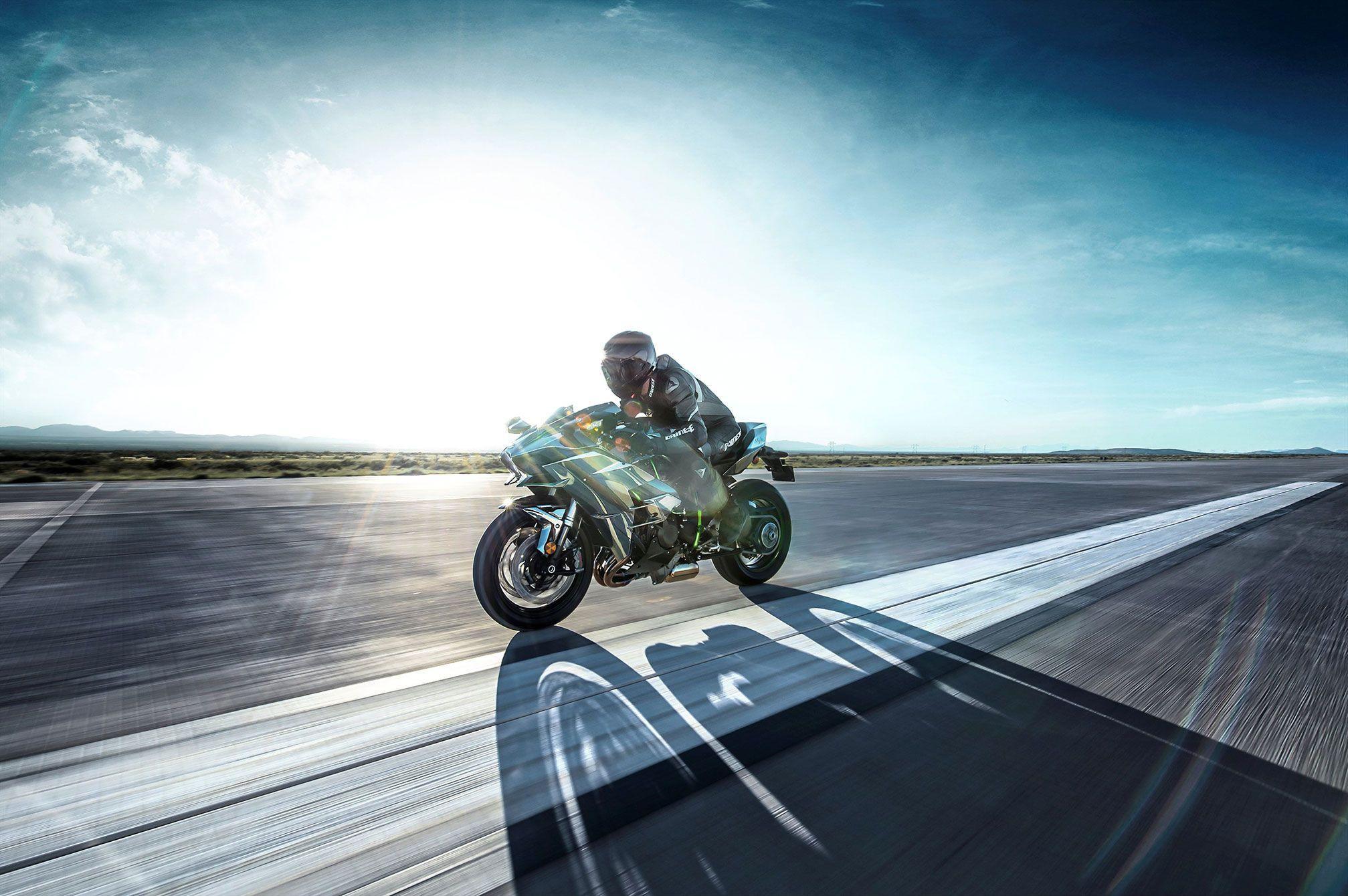 2015 Kawasaki Ninja H2 Review