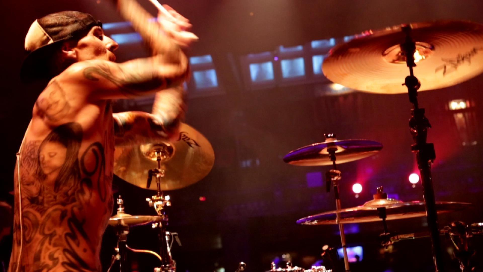 Push 'Em - Travis Barker & Yelawolf - Vevo