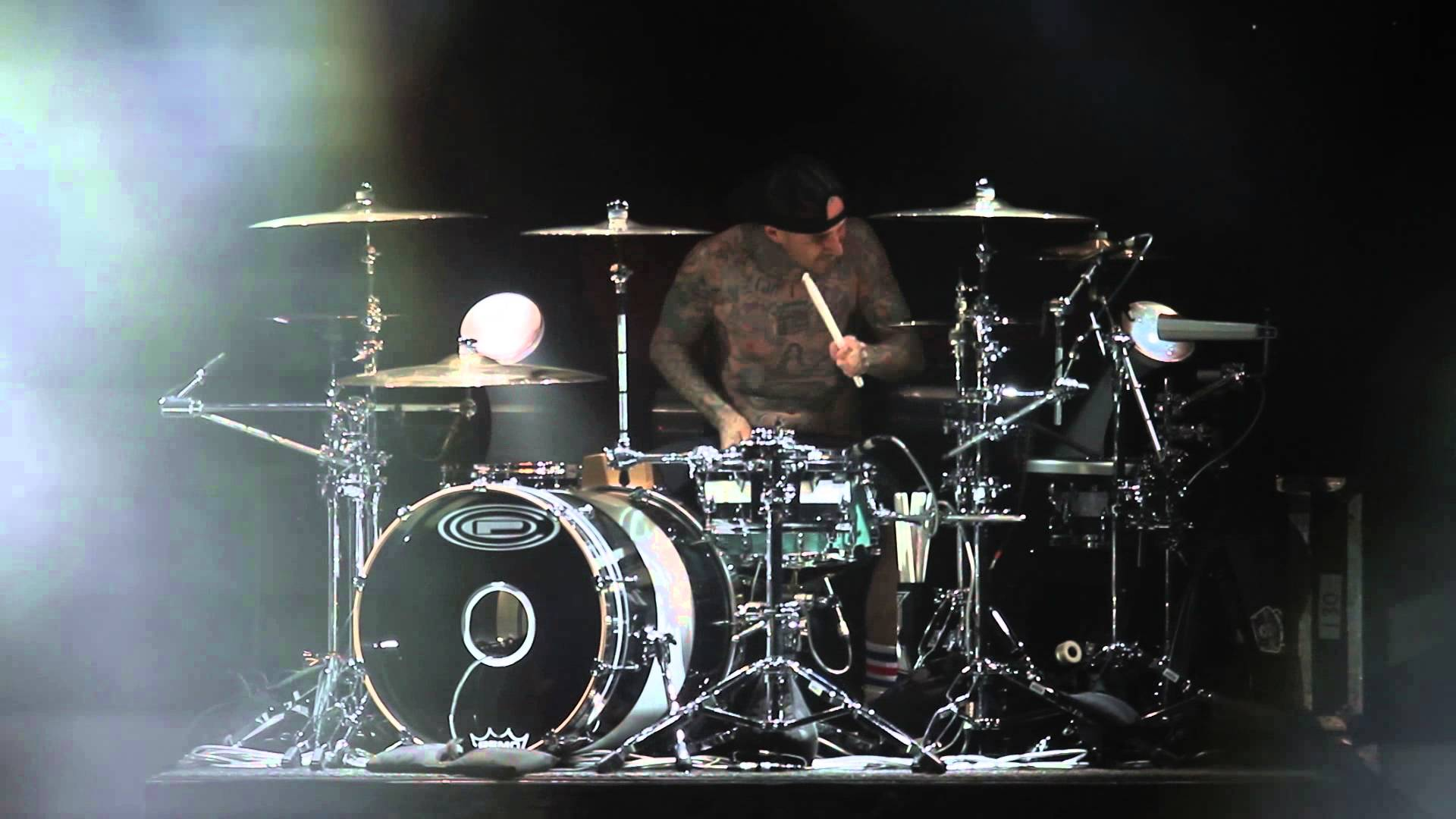 HD) Travis Barker at X-Fest Calgary 2013 - YouTube