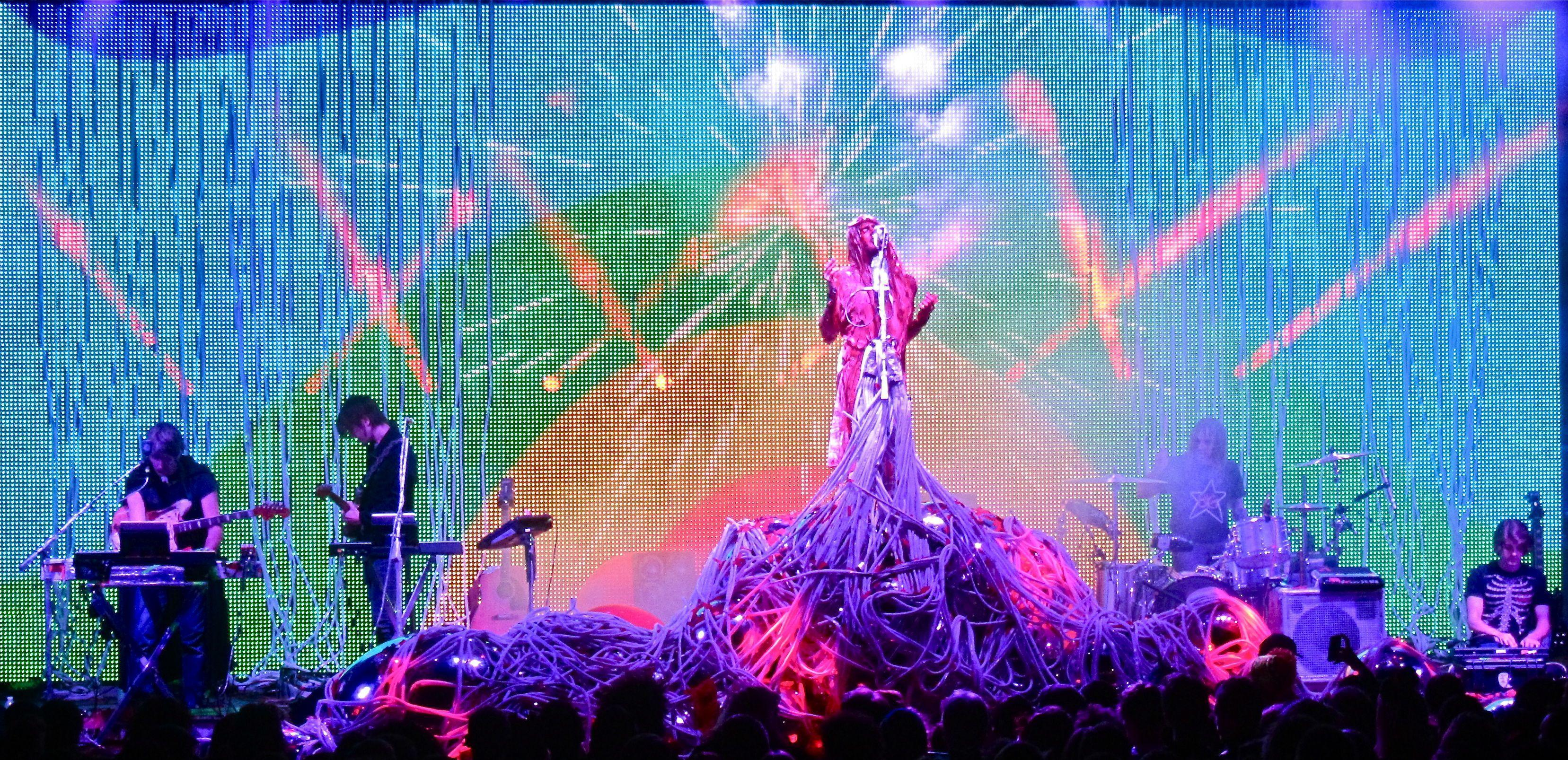 Flaming Lips/Tame Impala at Santa Barbara Bowl–Photos and Review