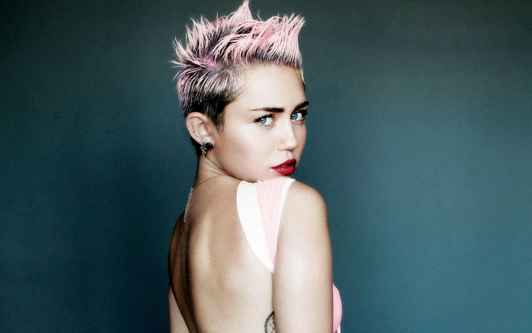 Miley Cyrus Wallpapers | Ultra High Quality Wallpapers