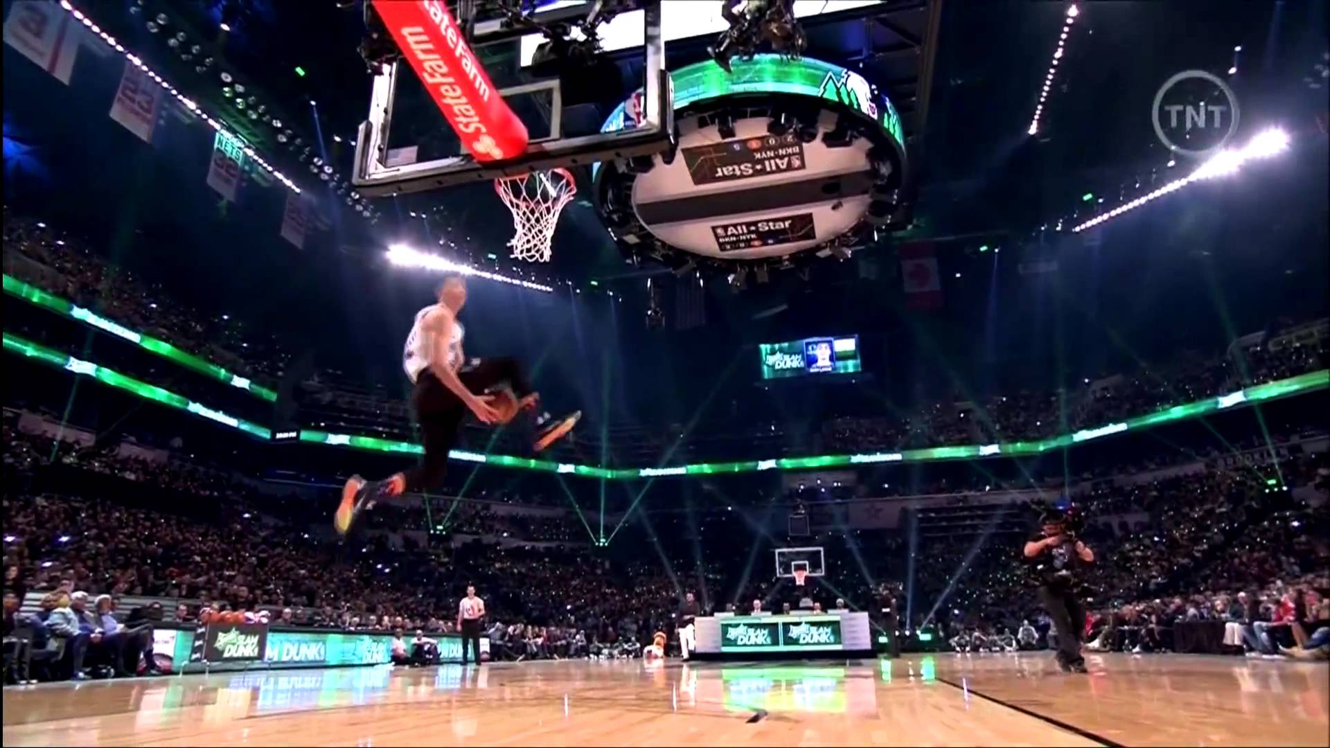 Zach LaVine brings back Dunk Contest. At least for a night