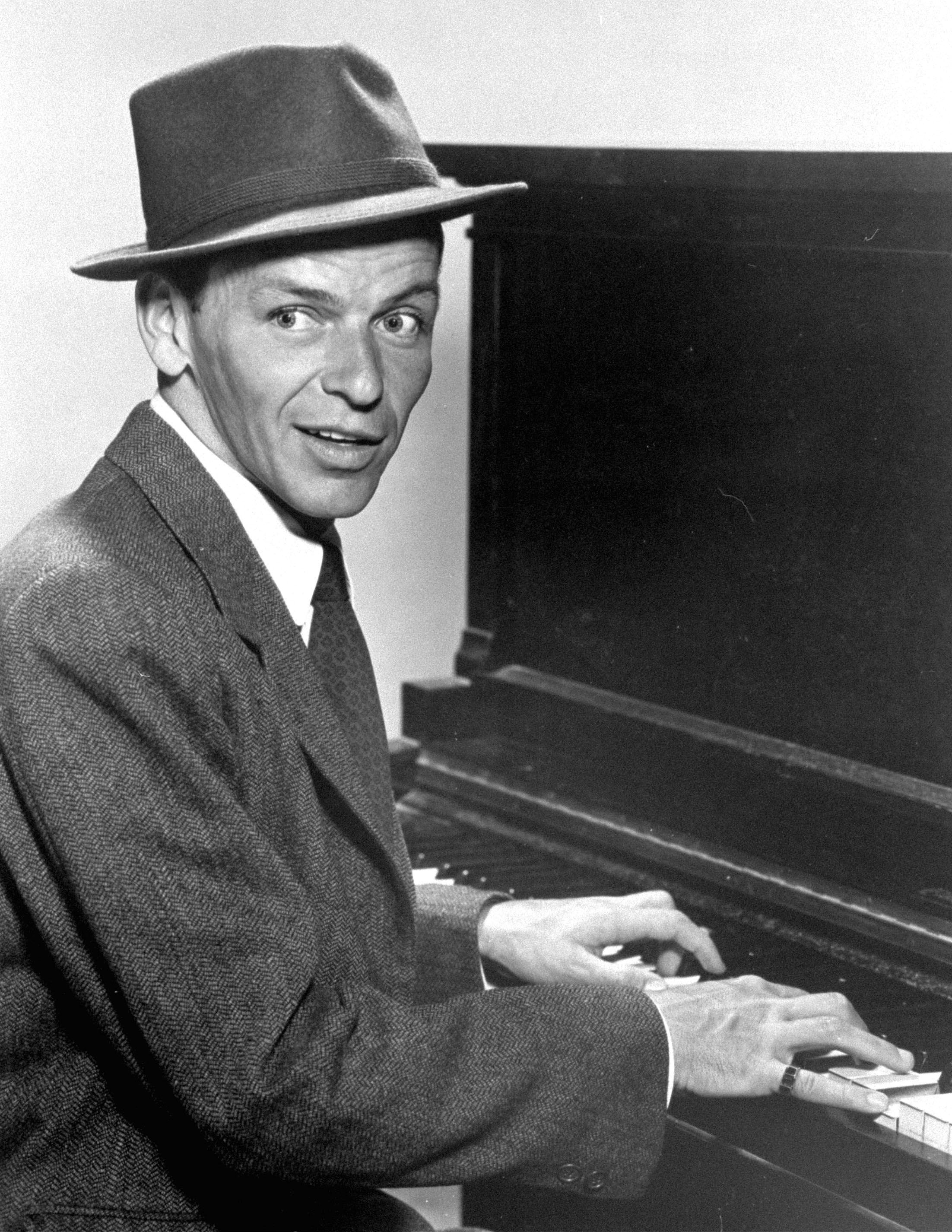 Frank Sinatra photo 1 of 19 pics, wallpapers