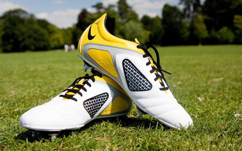 Pelotas Y Chimpunes Nike Hd 1280x768: Football Boots Wallpapers