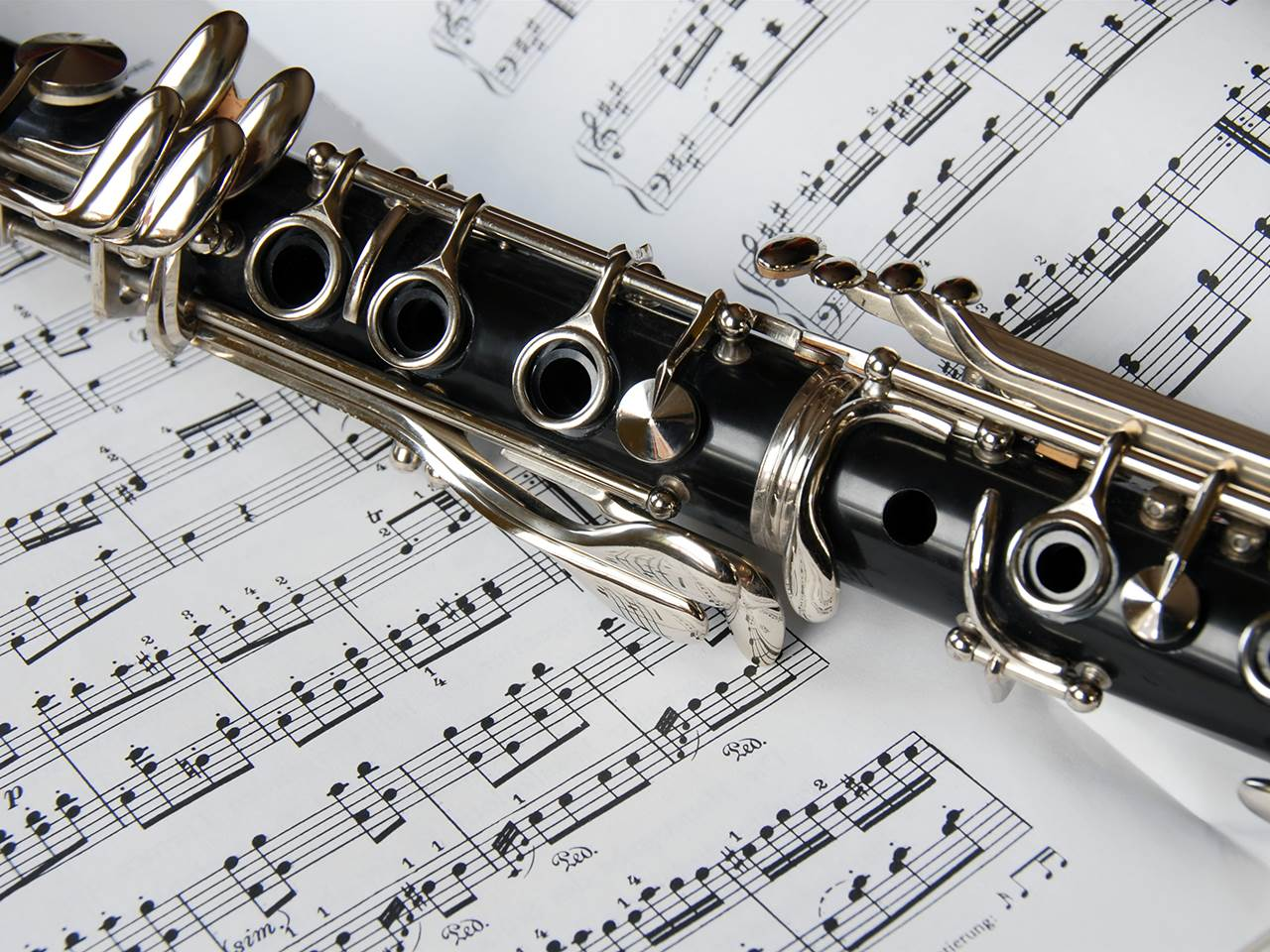 Melody malady: Clarinet player develops 'saxophone lung' from