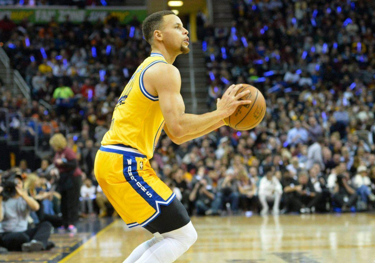 Stephen Curry not only eyeing wins record | HoopsHype