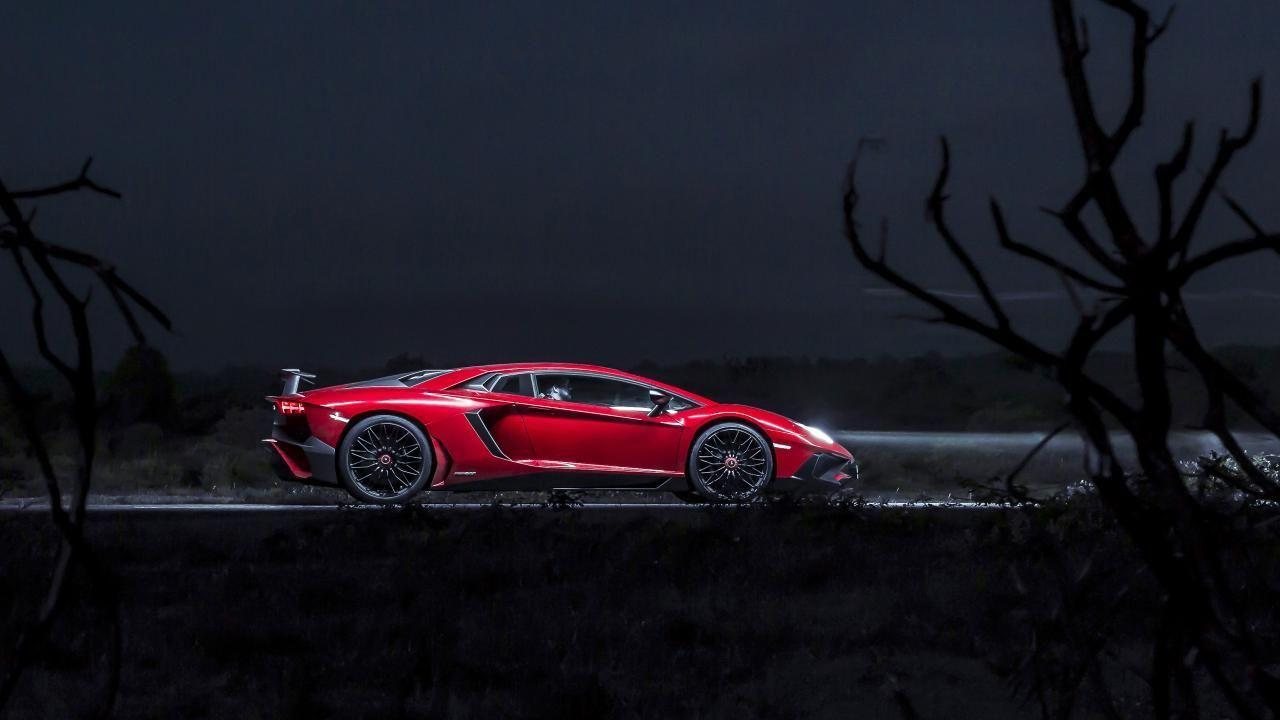 Wallpapers: one night in Lambo's 740bhp Aventador SV